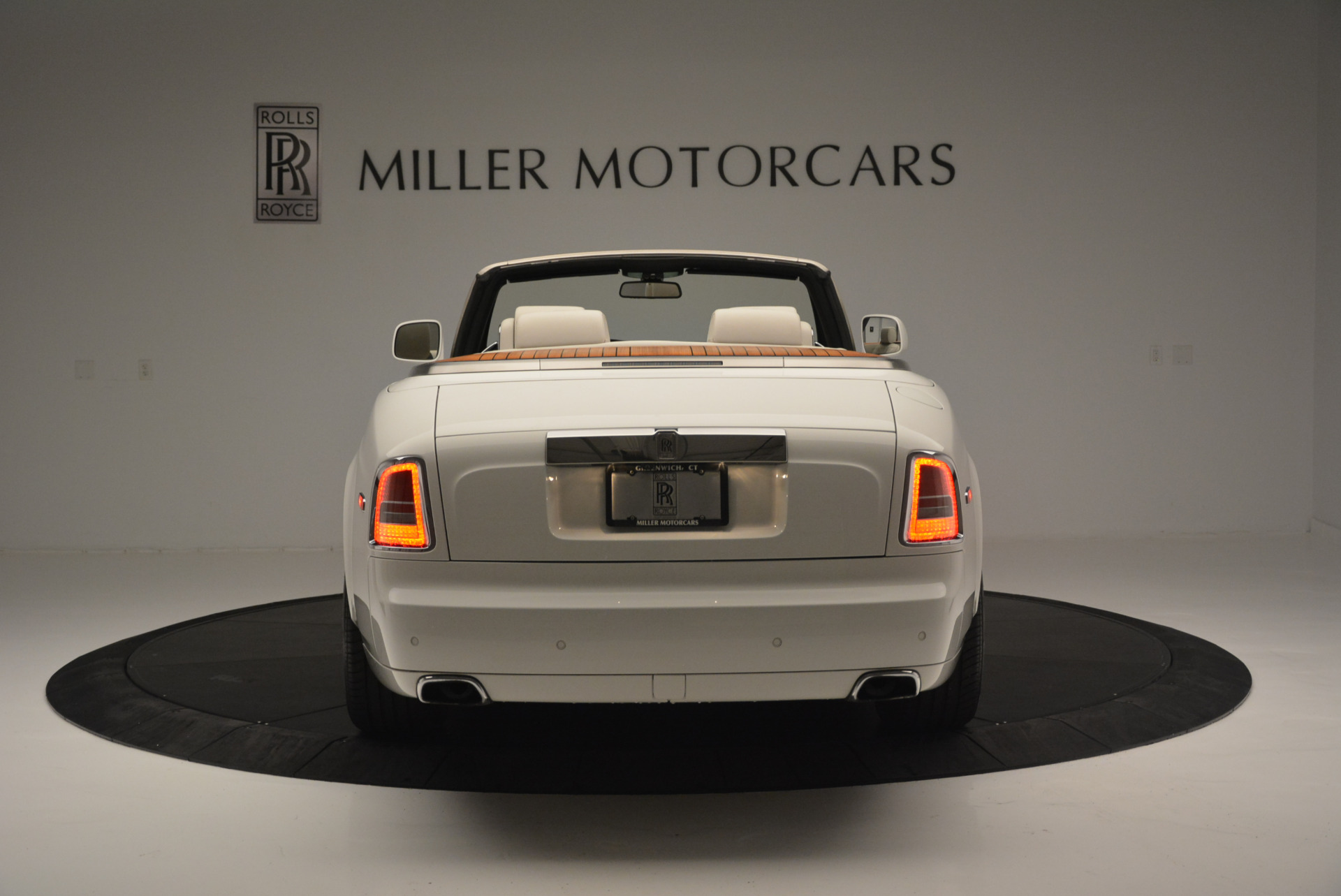 Used 2013 Rolls-Royce Phantom Drophead Coupe  For Sale In Greenwich, CT 2444_p4