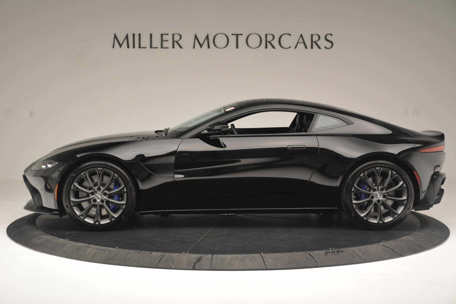 Used 2019 Aston Martin Vantage Coupe For Sale In Greenwich, CT 2445_p3