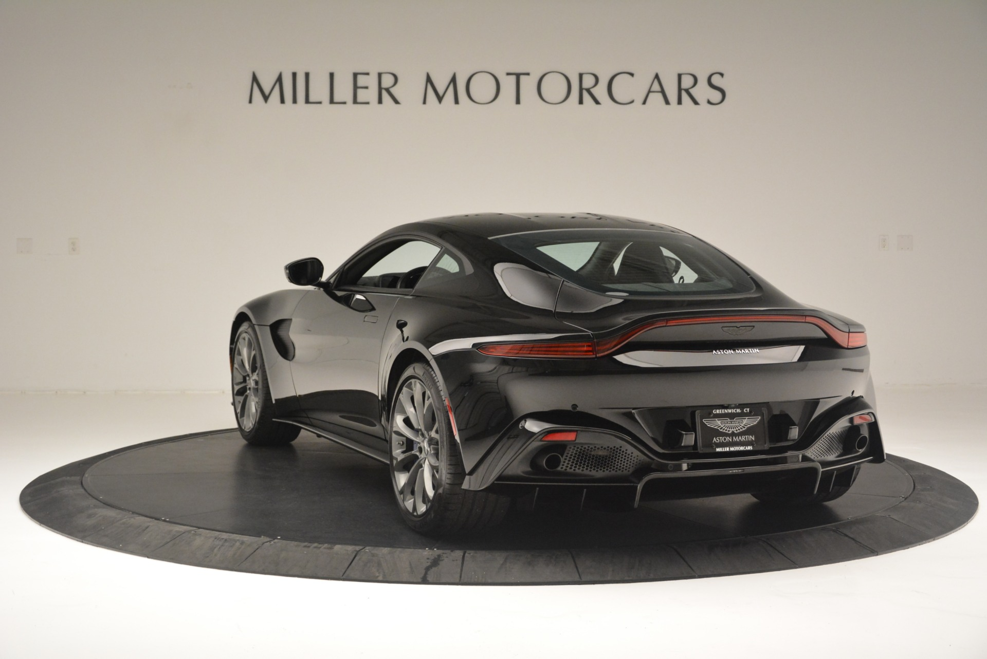 Used 2019 Aston Martin Vantage Coupe For Sale In Greenwich, CT 2445_p5