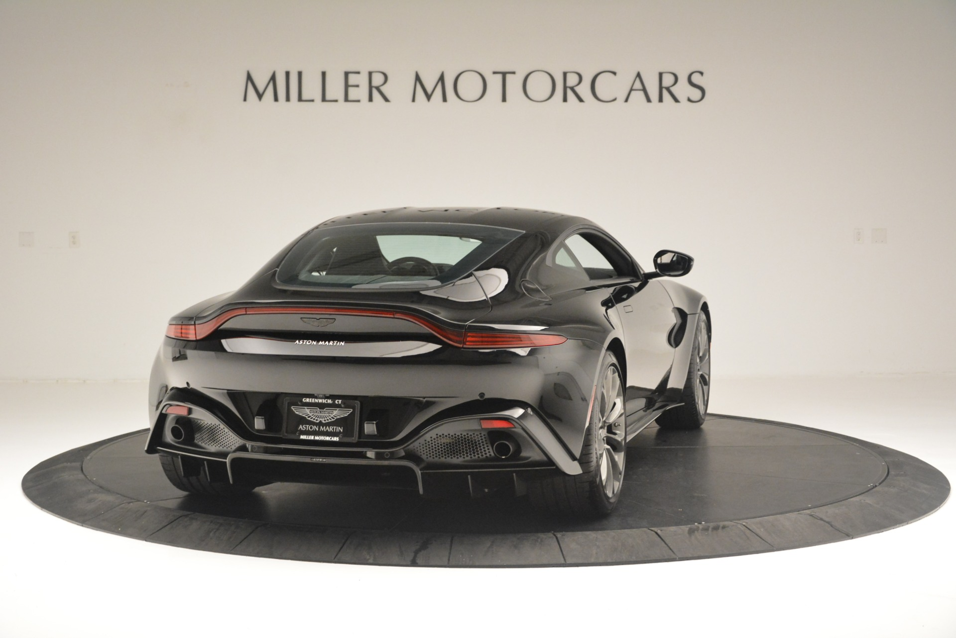 Used 2019 Aston Martin Vantage Coupe For Sale In Greenwich, CT 2445_p7