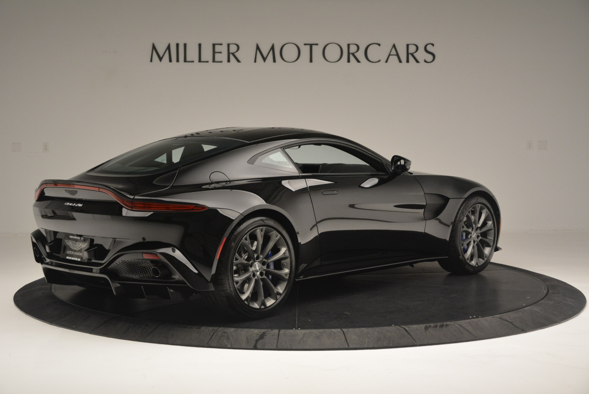 Used 2019 Aston Martin Vantage Coupe For Sale In Greenwich, CT 2445_p8