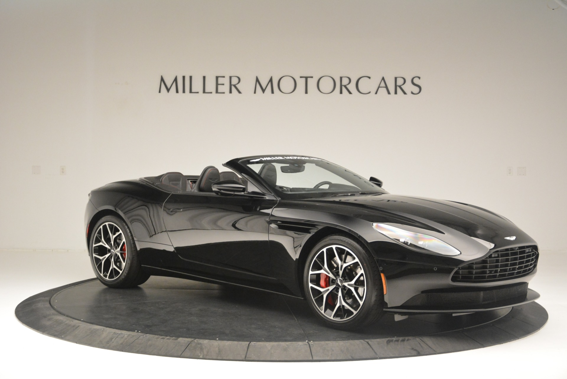 New 2019 Aston Martin DB11 V8 Convertible For Sale In Greenwich, CT 2446_p10