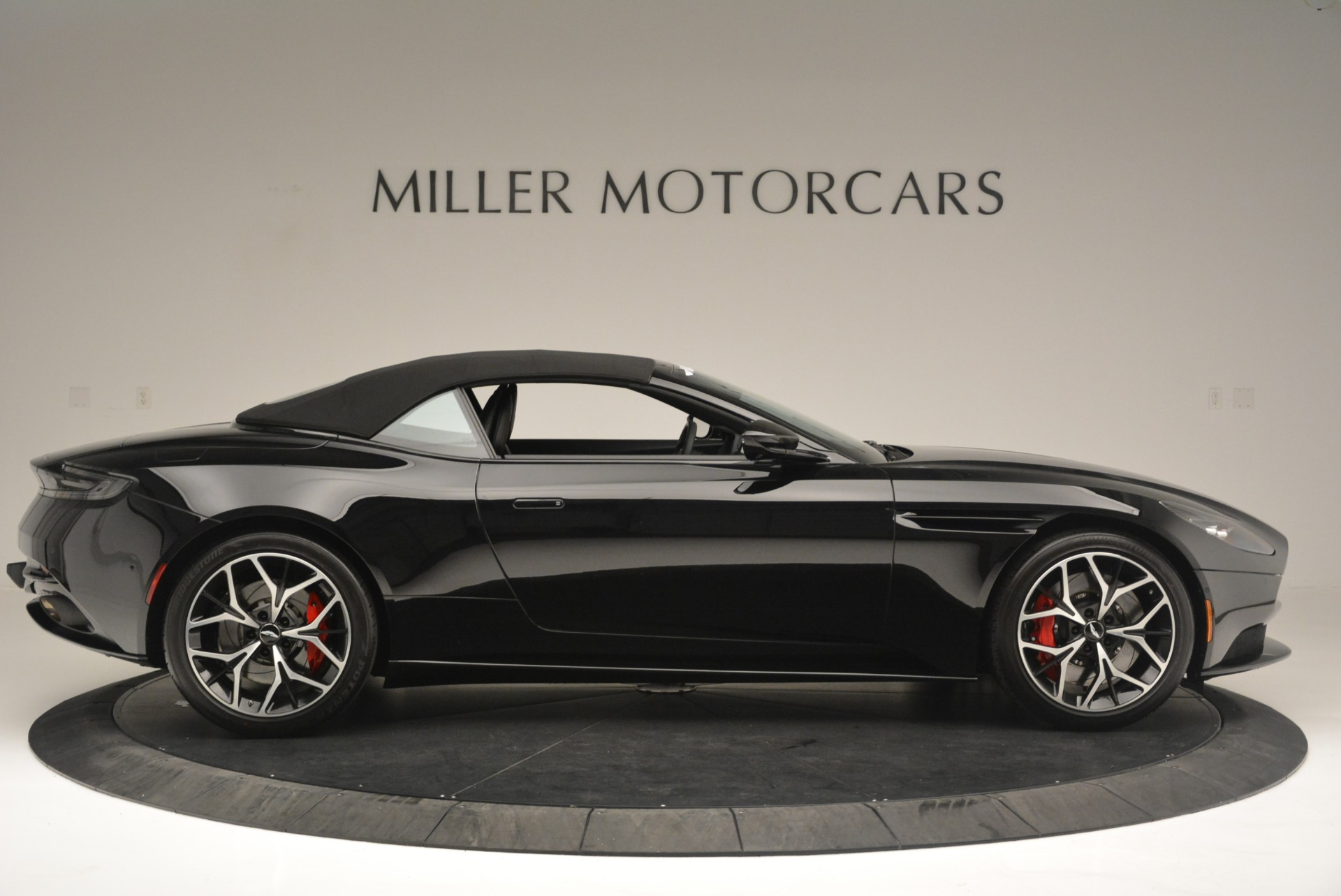 New 2019 Aston Martin DB11 V8 Convertible For Sale In Greenwich, CT 2446_p16