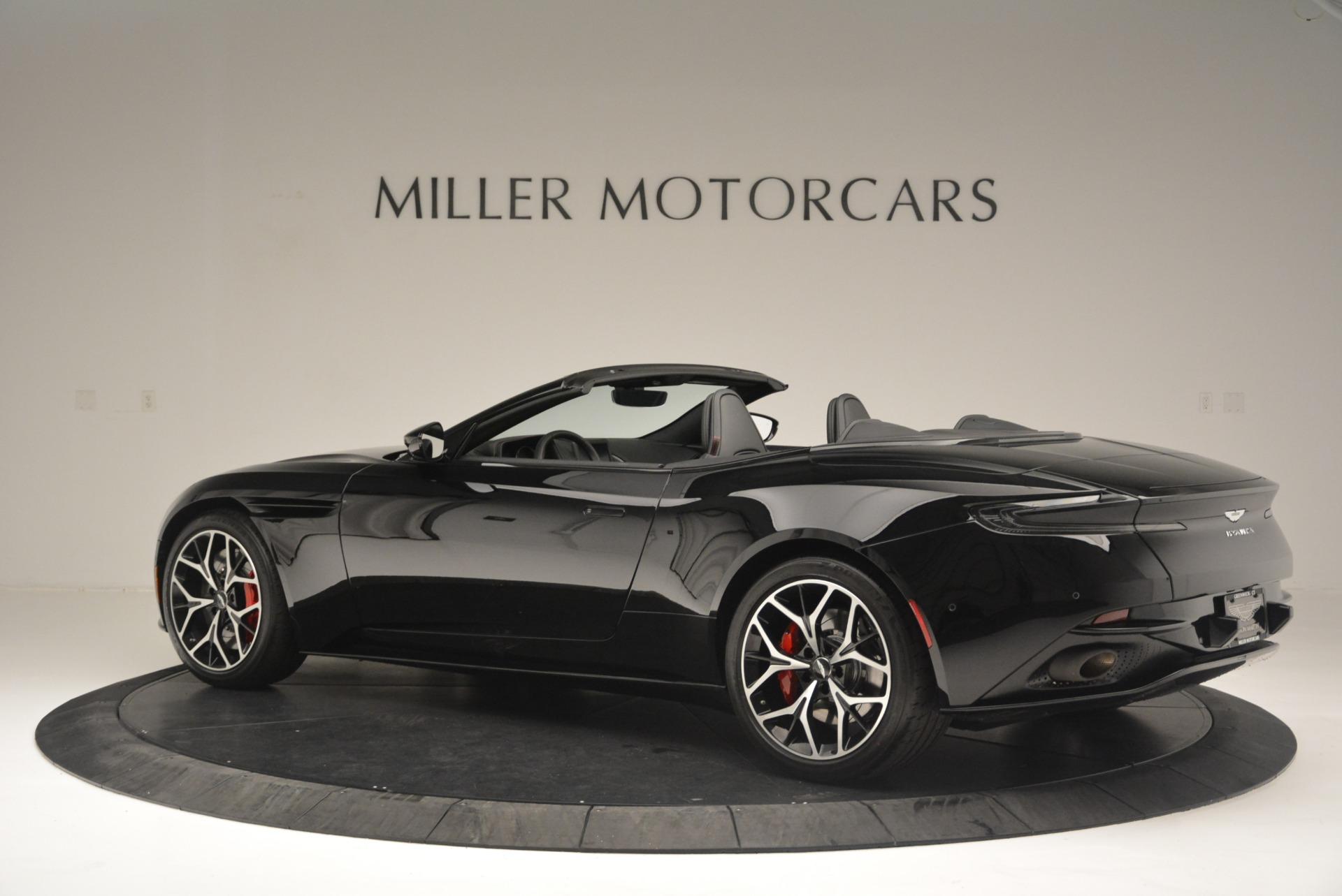 New 2019 Aston Martin DB11 V8 Convertible For Sale In Greenwich, CT 2446_p4