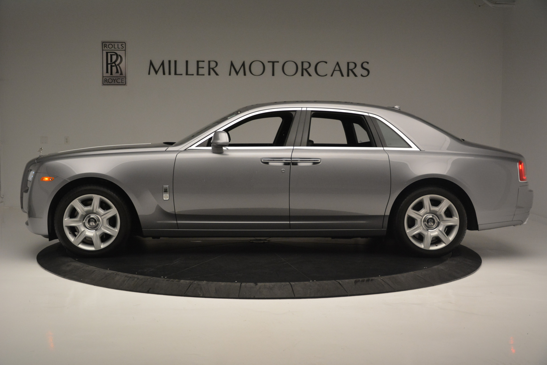 Used 2012 Rolls-Royce Ghost  For Sale In Greenwich, CT 2447_p2