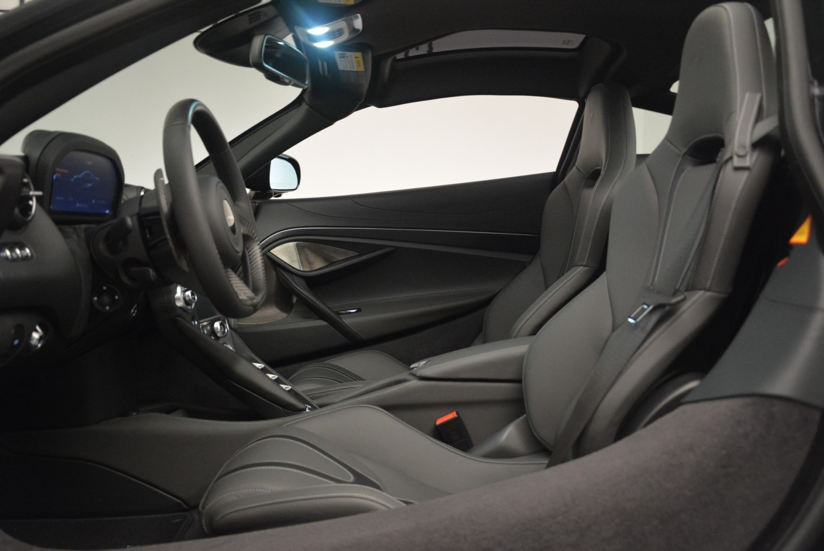Used 2018 McLaren 720S Coupe For Sale In Greenwich, CT 2449_p17
