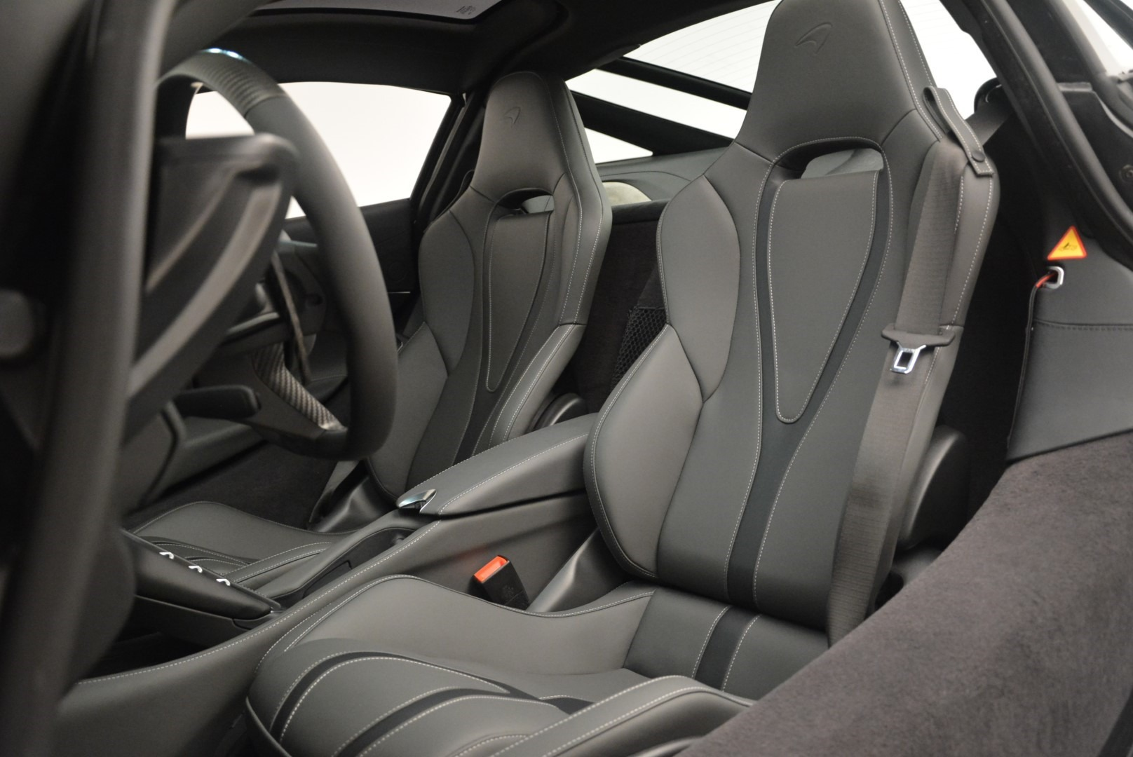 Used 2018 McLaren 720S Coupe For Sale In Greenwich, CT 2449_p18
