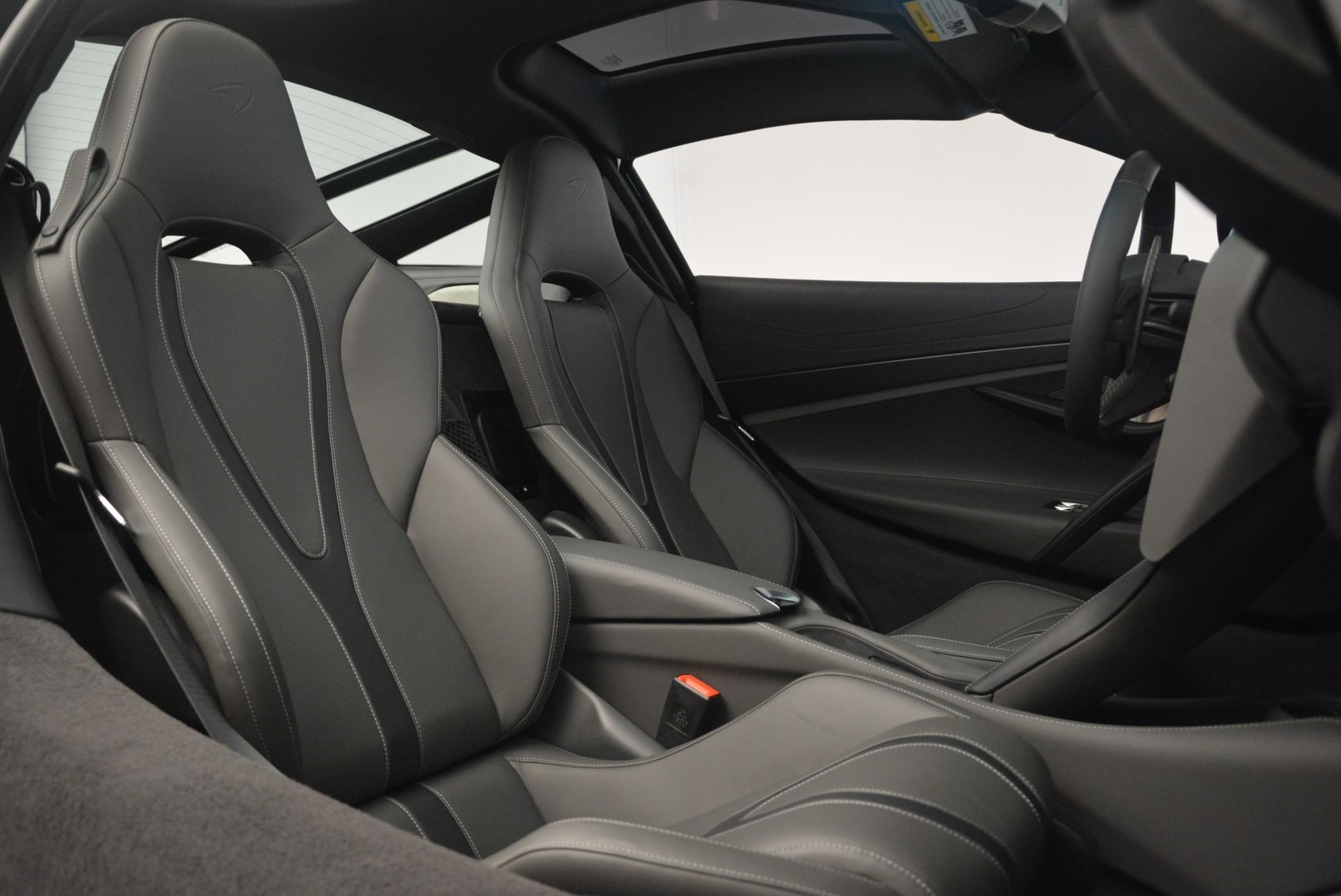 Used 2018 McLaren 720S Coupe For Sale In Greenwich, CT 2449_p21