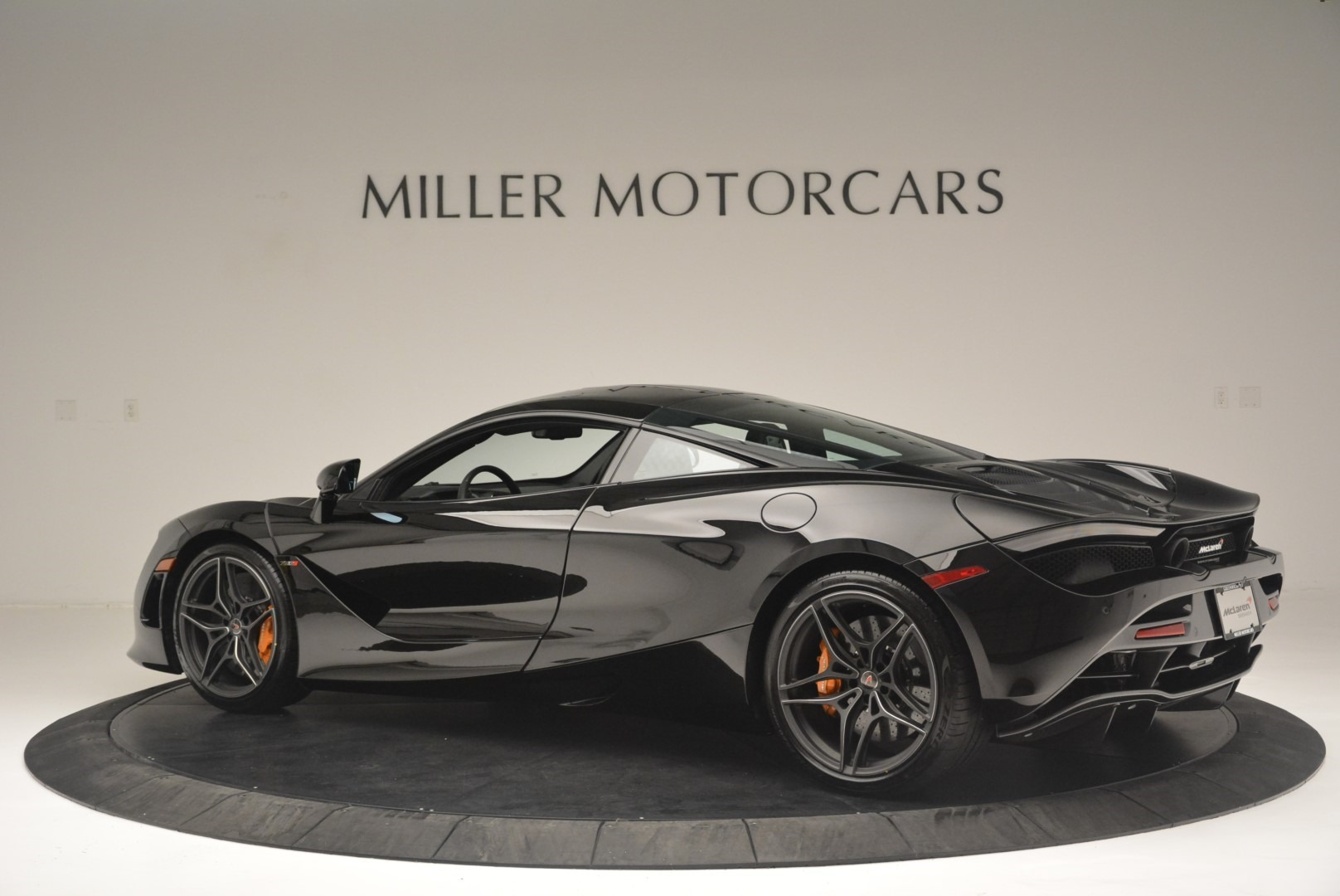 Used 2018 McLaren 720S Coupe For Sale In Greenwich, CT 2449_p4
