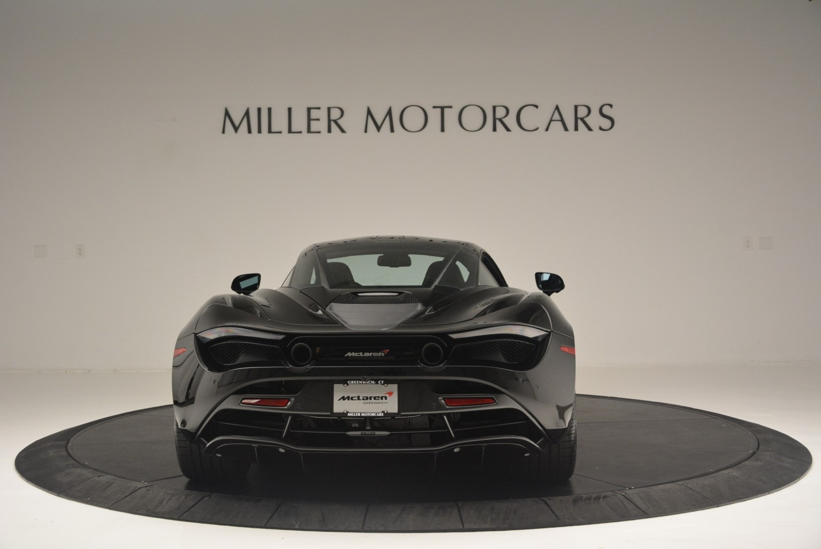 Used 2018 McLaren 720S Coupe For Sale In Greenwich, CT 2449_p6