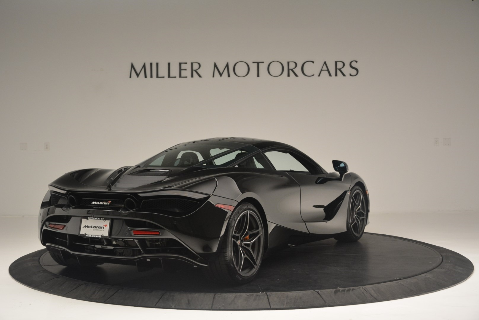 Used 2018 McLaren 720S Coupe For Sale In Greenwich, CT 2449_p7