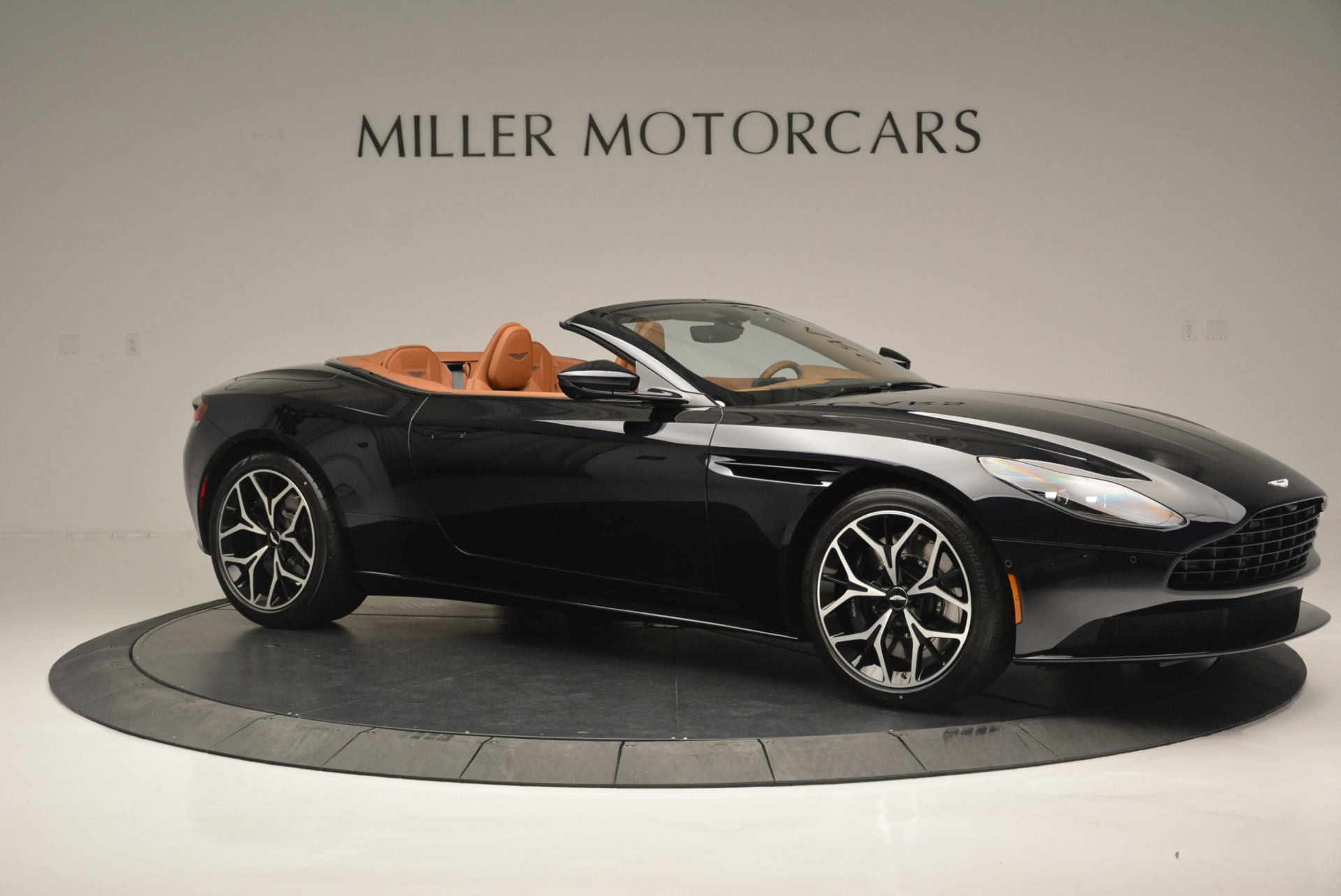 New 2019 Aston Martin DB11 Volante Volante For Sale In Greenwich, CT 2450_p10