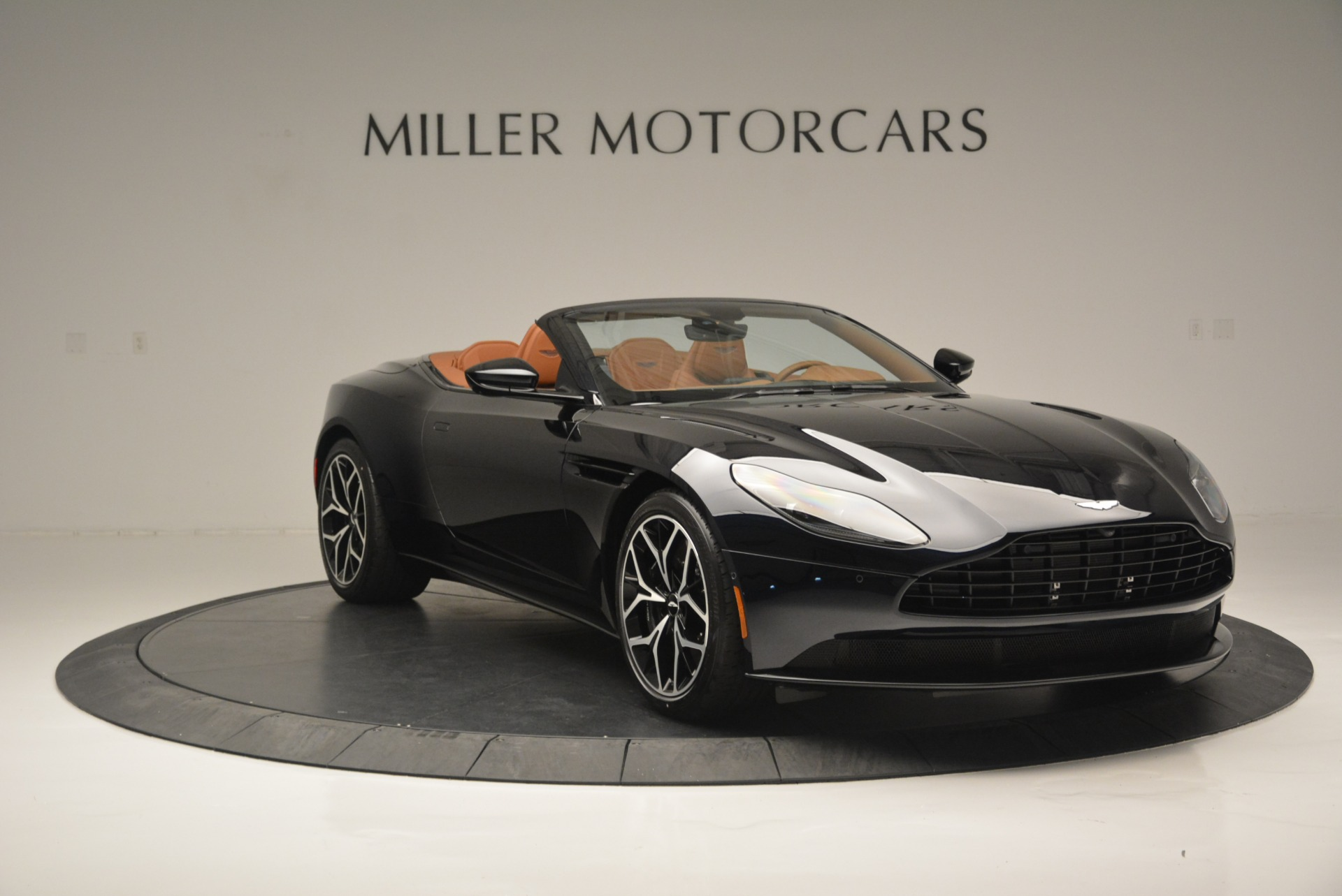 New 2019 Aston Martin DB11 Volante Volante For Sale In Greenwich, CT 2450_p11