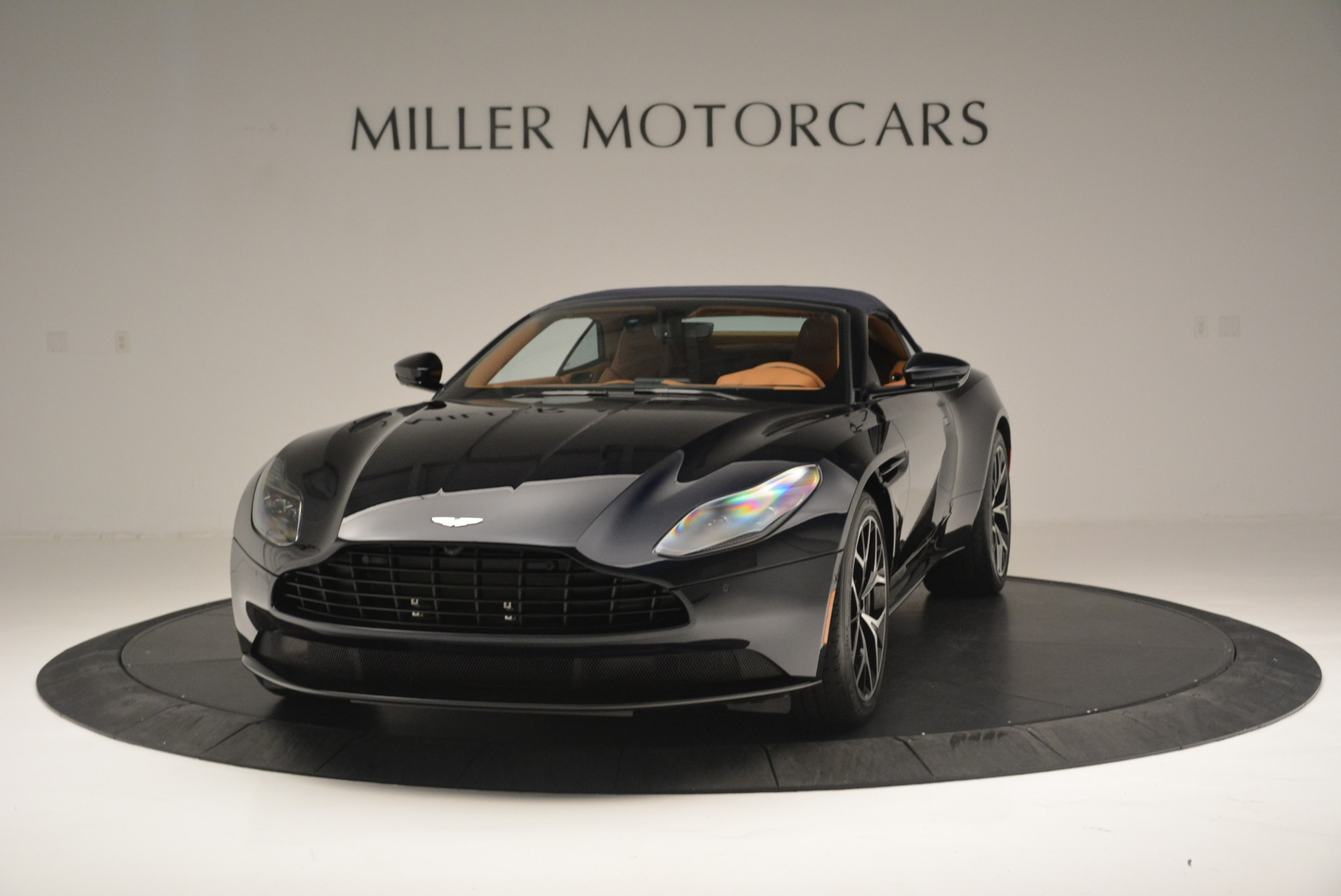New 2019 Aston Martin DB11 Volante Volante For Sale In Greenwich, CT 2450_p13