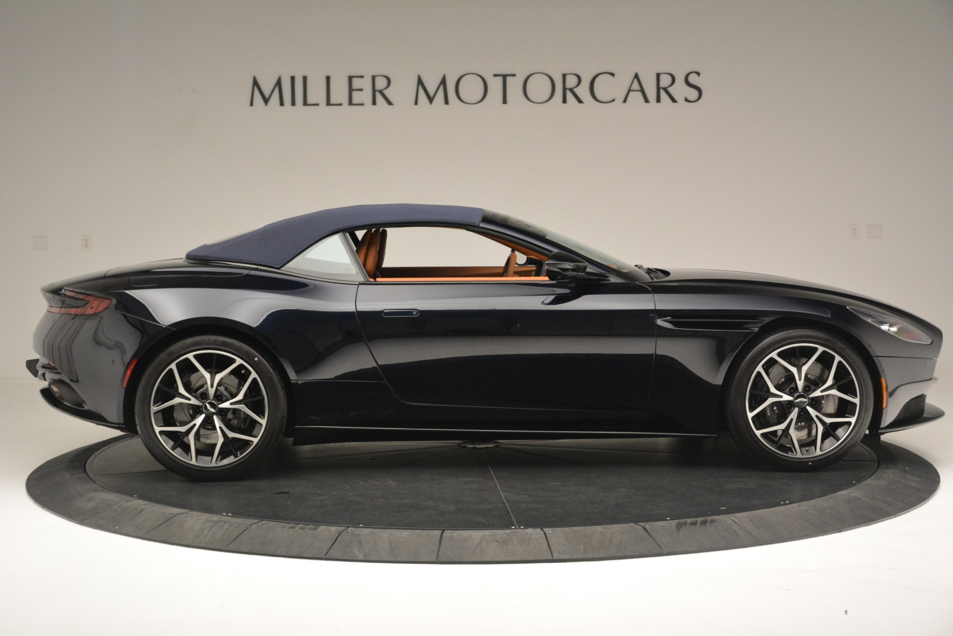 New 2019 Aston Martin DB11 Volante Volante For Sale In Greenwich, CT 2450_p16