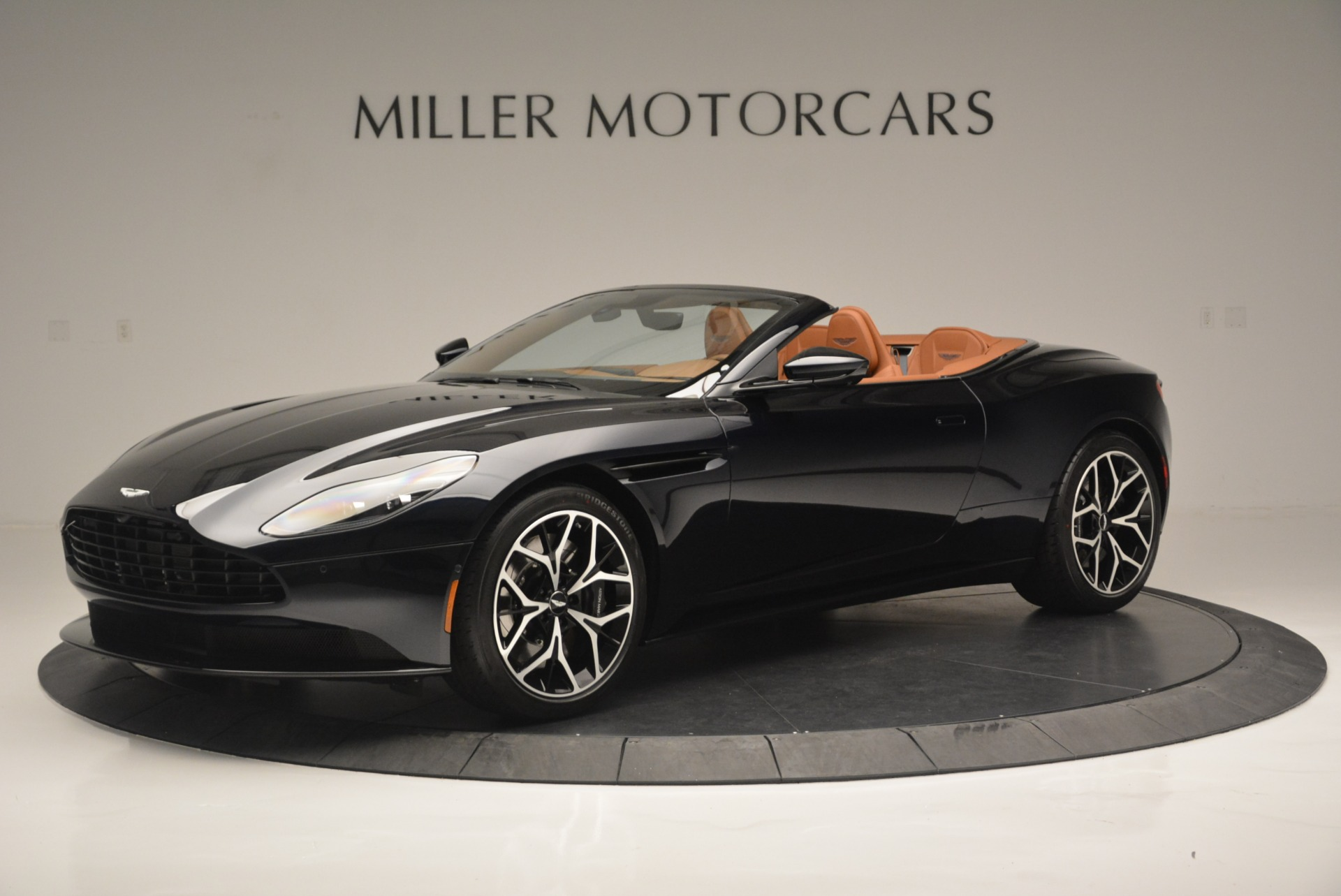 New 2019 Aston Martin DB11 Volante Volante For Sale In Greenwich, CT 2450_p2