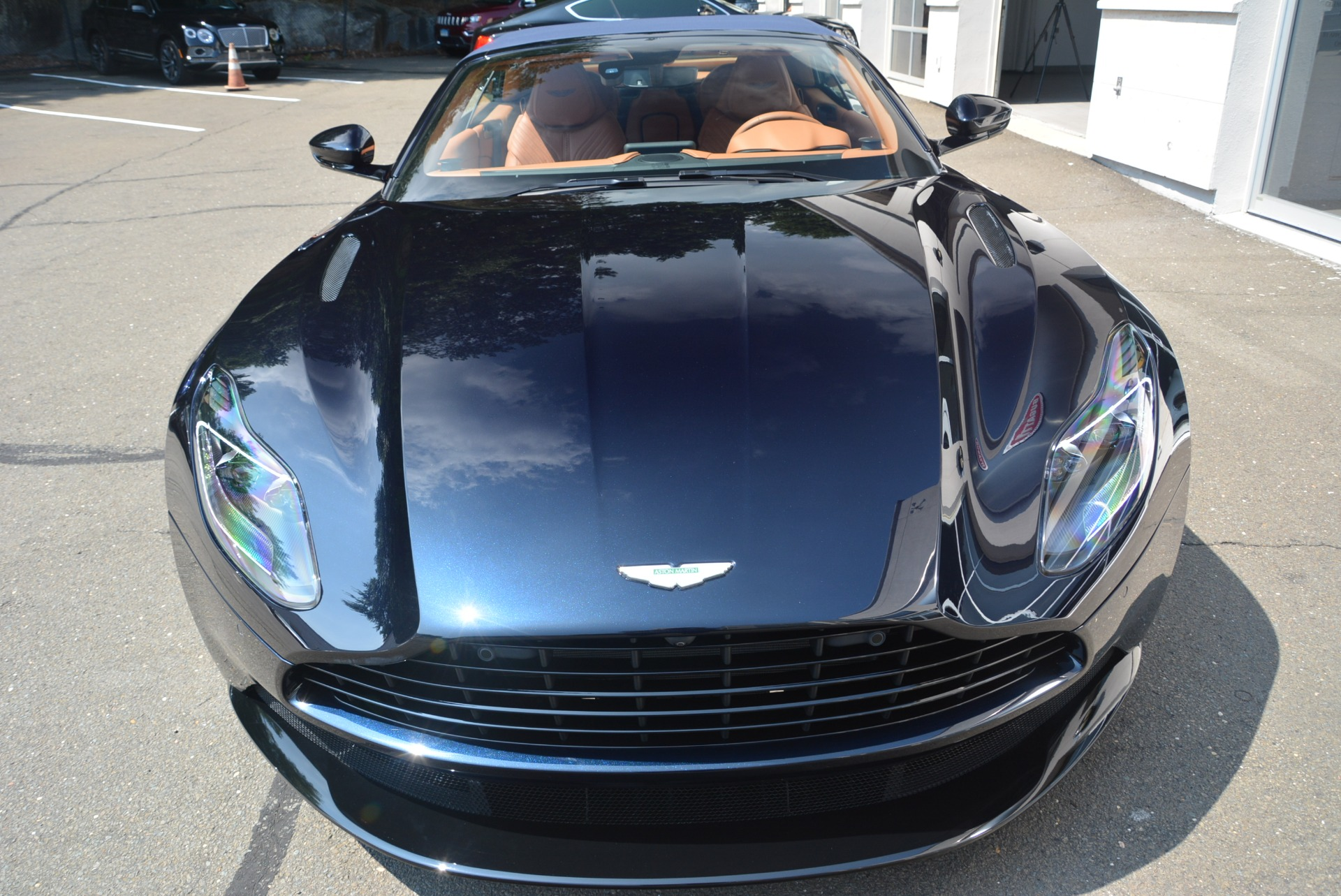 New 2019 Aston Martin DB11 Volante Volante For Sale In Greenwich, CT 2450_p30