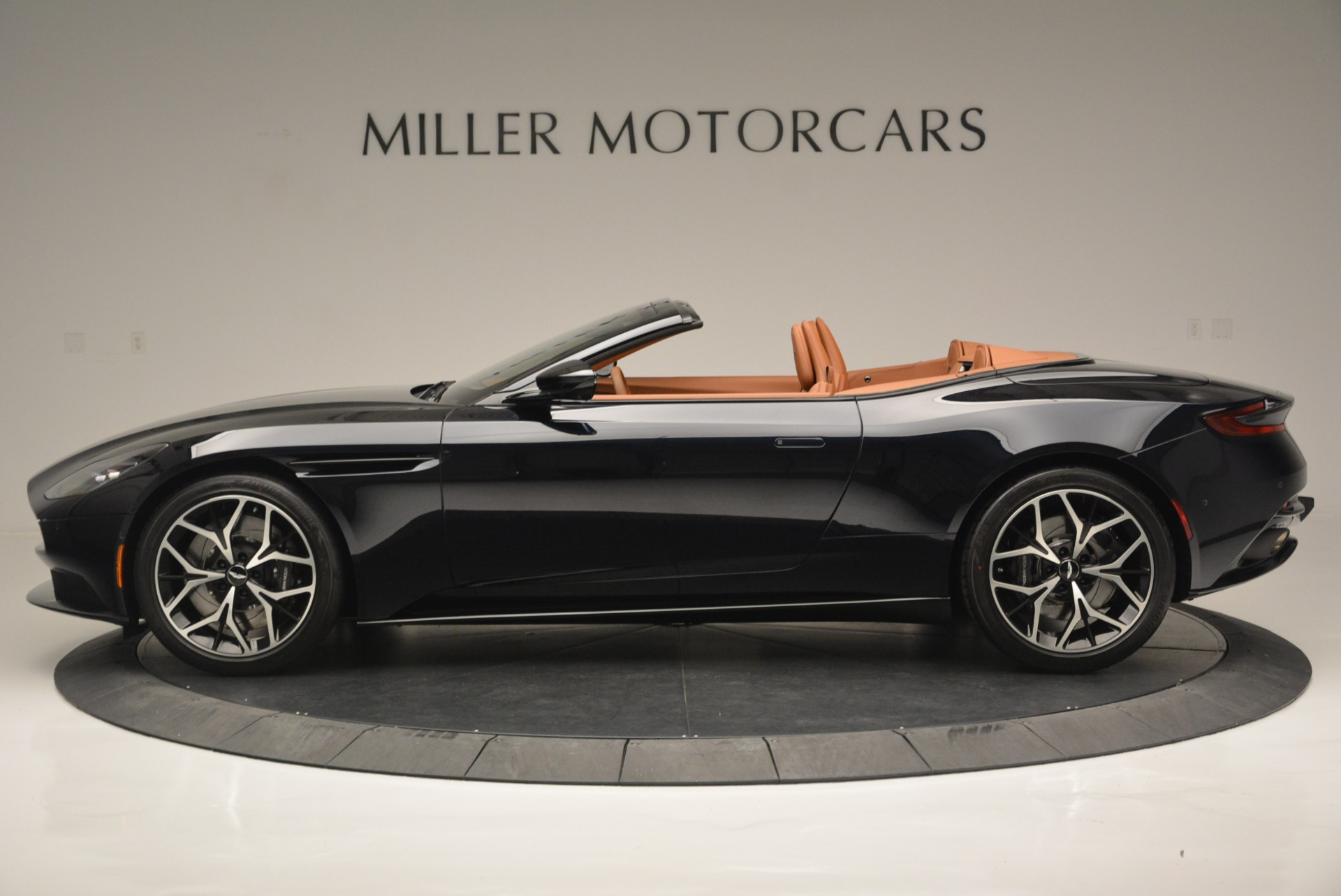 New 2019 Aston Martin DB11 Volante Volante For Sale In Greenwich, CT 2450_p3