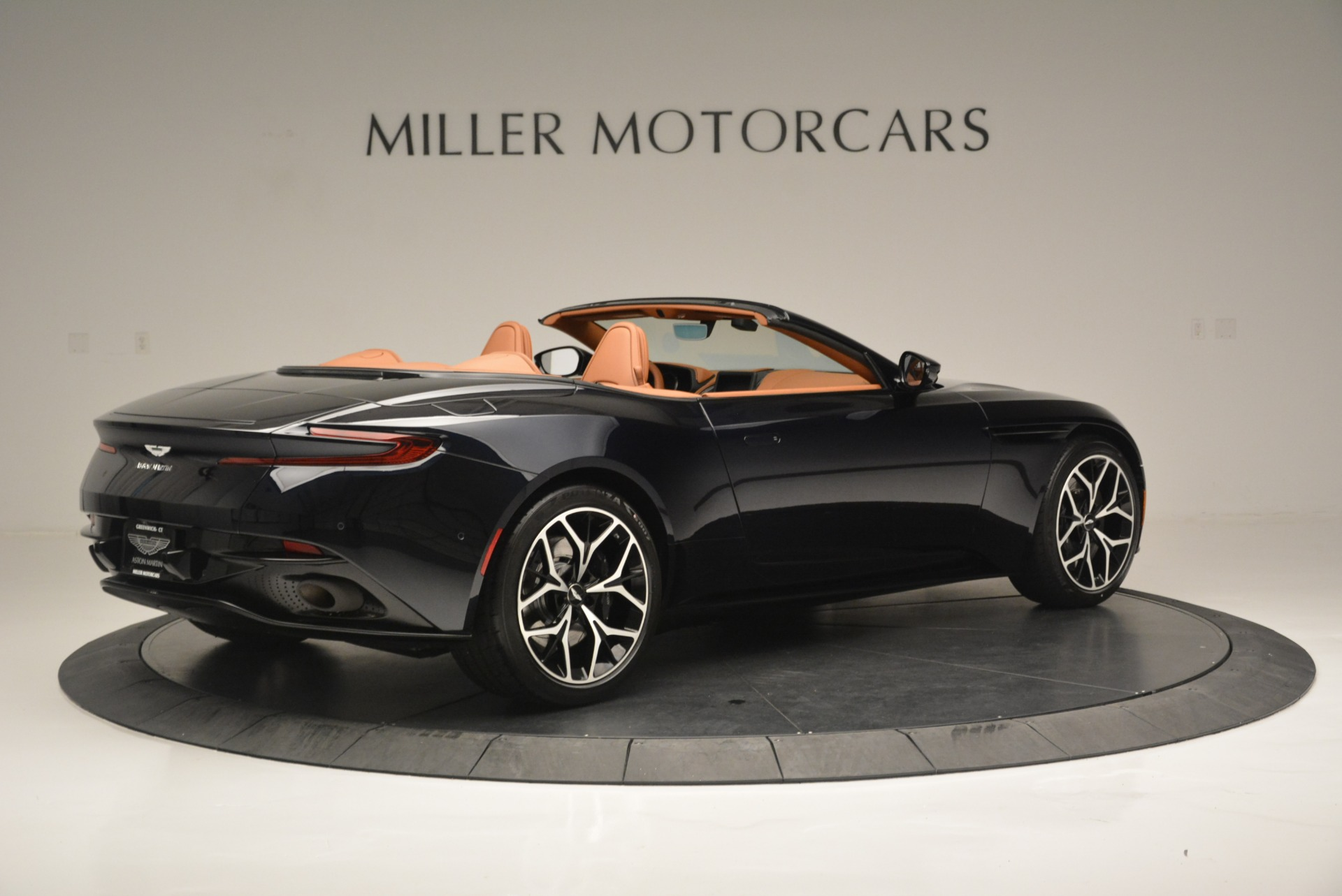 New 2019 Aston Martin DB11 Volante Volante For Sale In Greenwich, CT 2450_p8