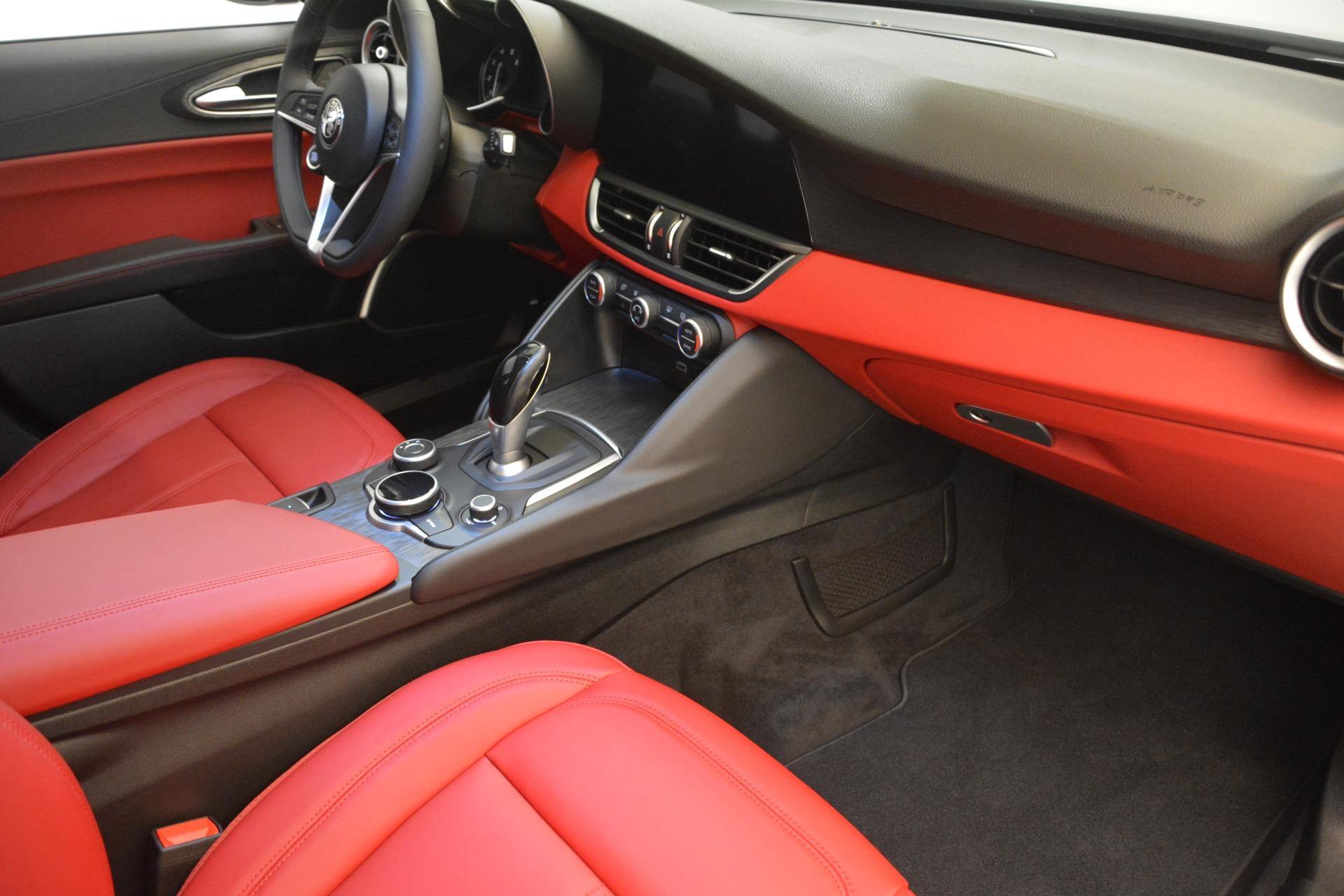 New 2018 Alfa Romeo Giulia Q4 For Sale In Greenwich, CT 2453_p19