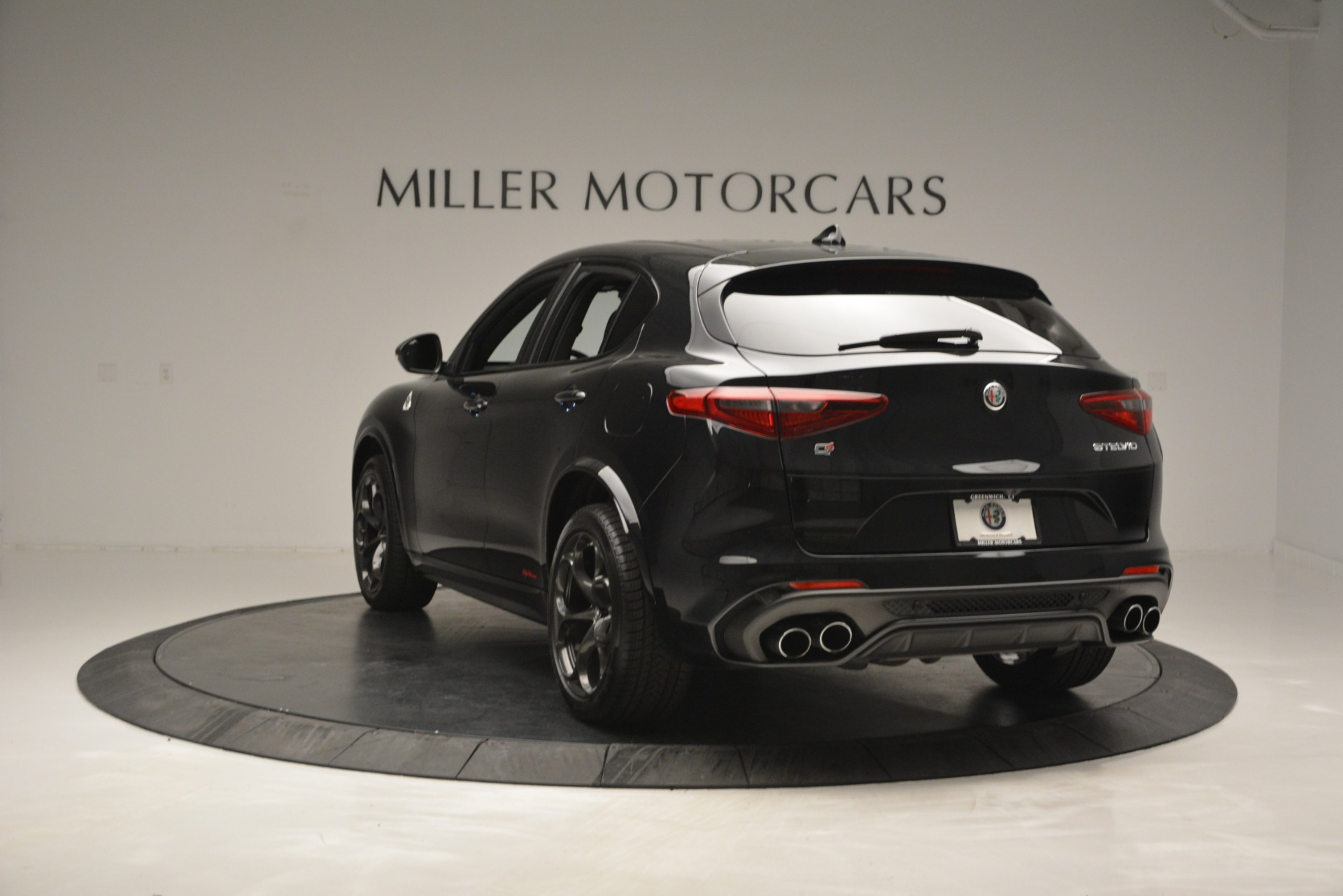 New 2018 Alfa Romeo Stelvio Quadrifoglio For Sale In Greenwich, CT 2460_p5