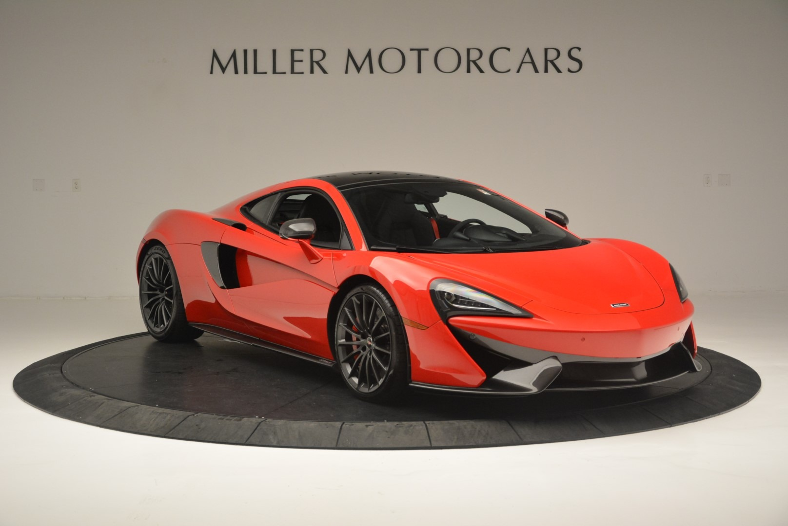 Used 2018 McLaren 570GT  For Sale In Greenwich, CT 2462_p11