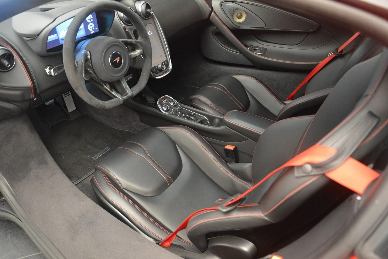 Used 2018 McLaren 570GT  For Sale In Greenwich, CT 2462_p18