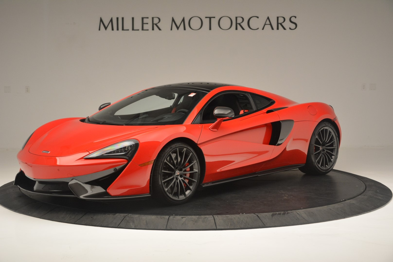 Used 2018 McLaren 570GT  For Sale In Greenwich, CT 2462_p2
