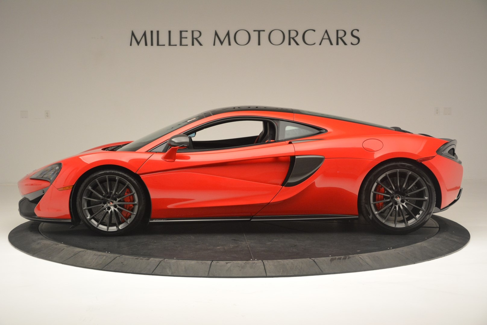 Used 2018 McLaren 570GT  For Sale In Greenwich, CT 2462_p3