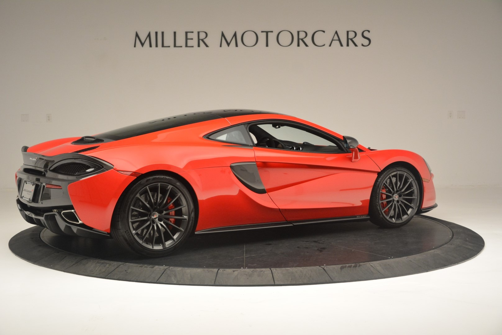 Used 2018 McLaren 570GT  For Sale In Greenwich, CT 2462_p8