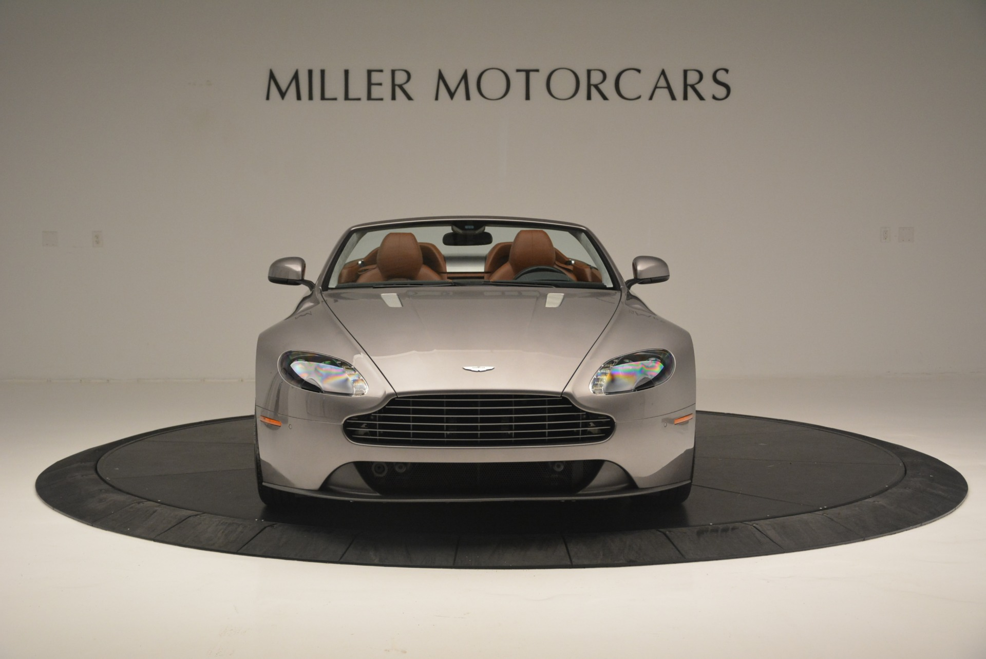 Used 2015 Aston Martin V8 Vantage Roadster For Sale In Greenwich, CT 2463_p12