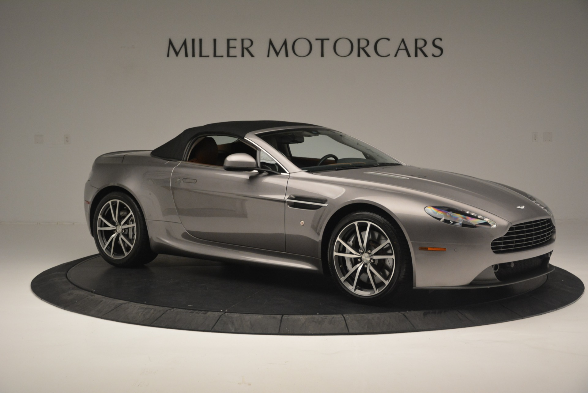 Used 2015 Aston Martin V8 Vantage Roadster For Sale In Greenwich, CT 2463_p17