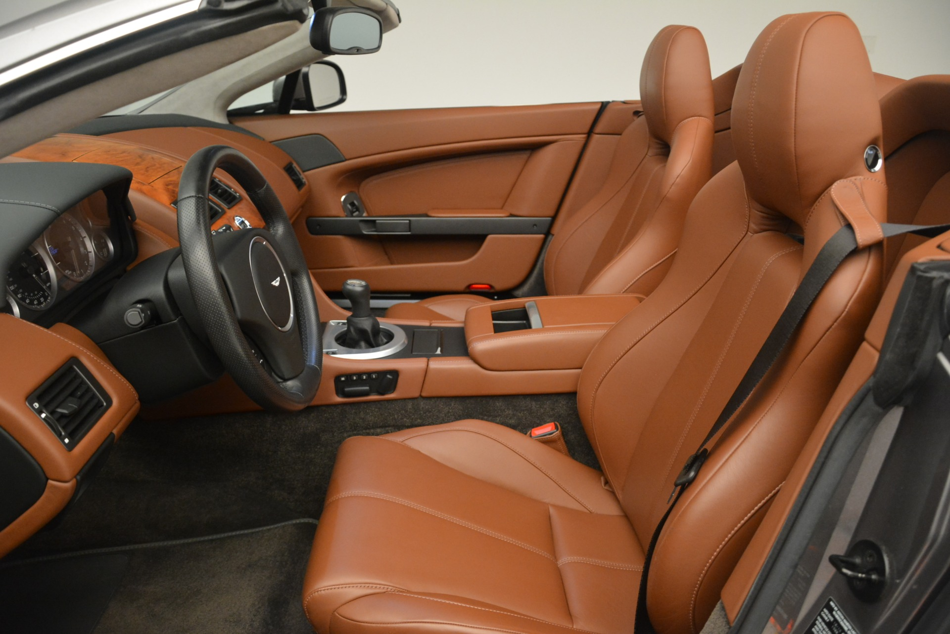 Used 2015 Aston Martin V8 Vantage Roadster For Sale In Greenwich, CT 2463_p19