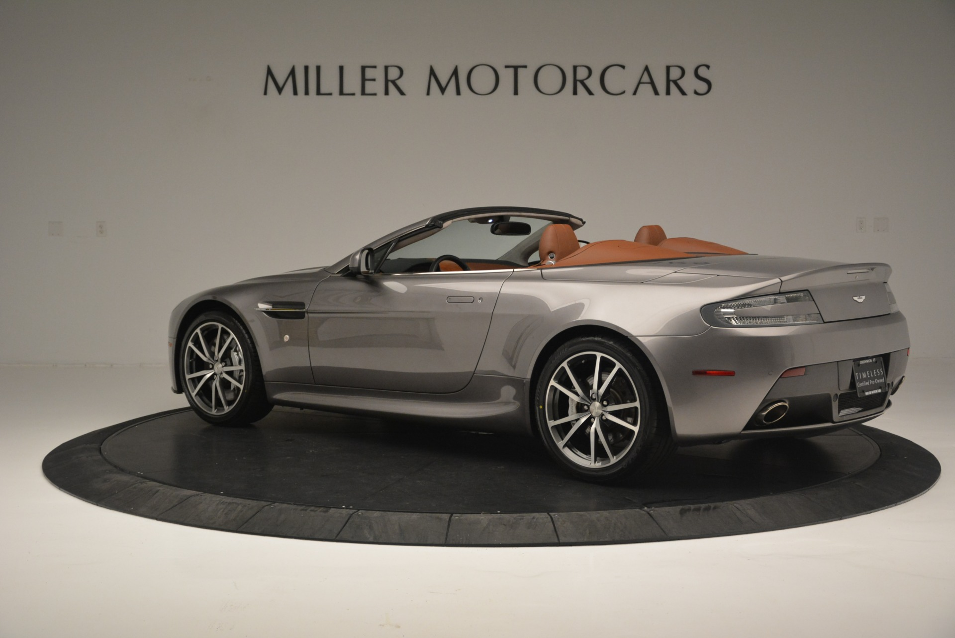 Used 2015 Aston Martin V8 Vantage Roadster For Sale In Greenwich, CT 2463_p4