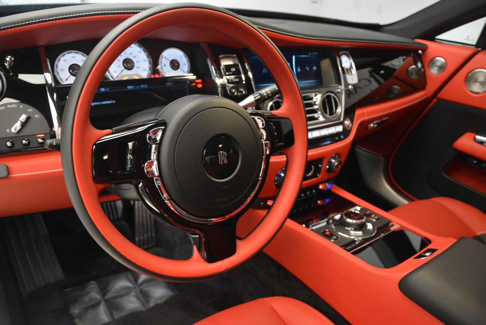 New 2018 Rolls-Royce Wraith Black Badge For Sale In Greenwich, CT 2472_p15