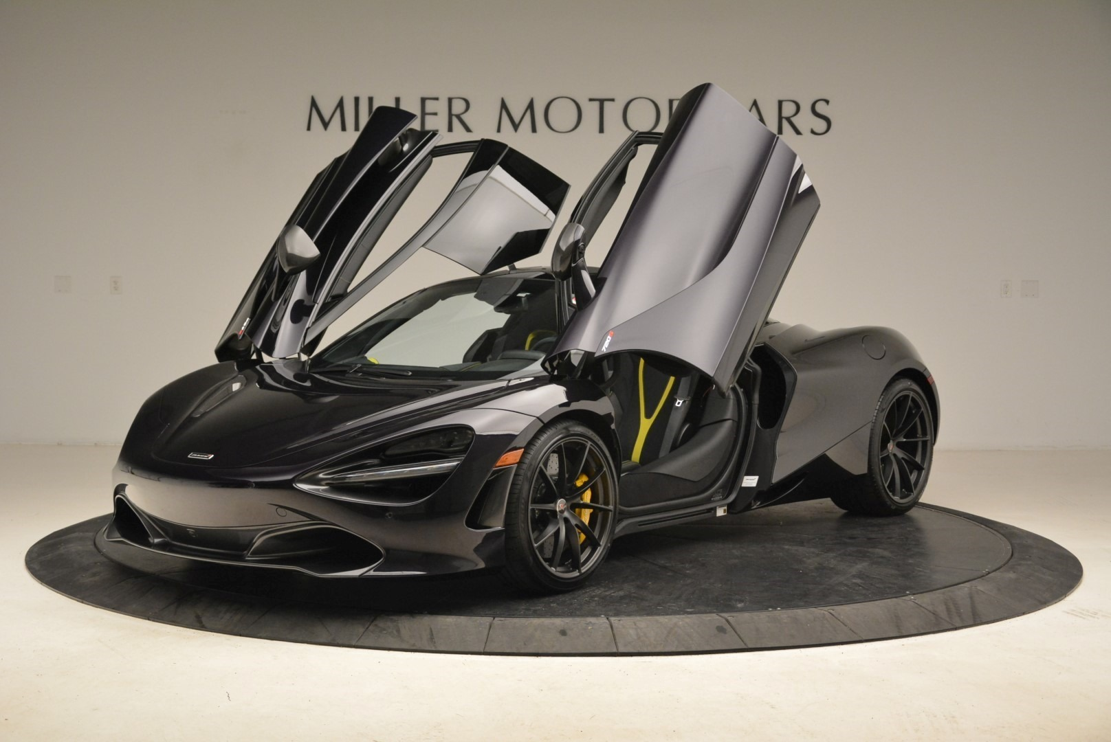 Used 2018 McLaren 720S Coupe For Sale In Greenwich, CT 2474_p14