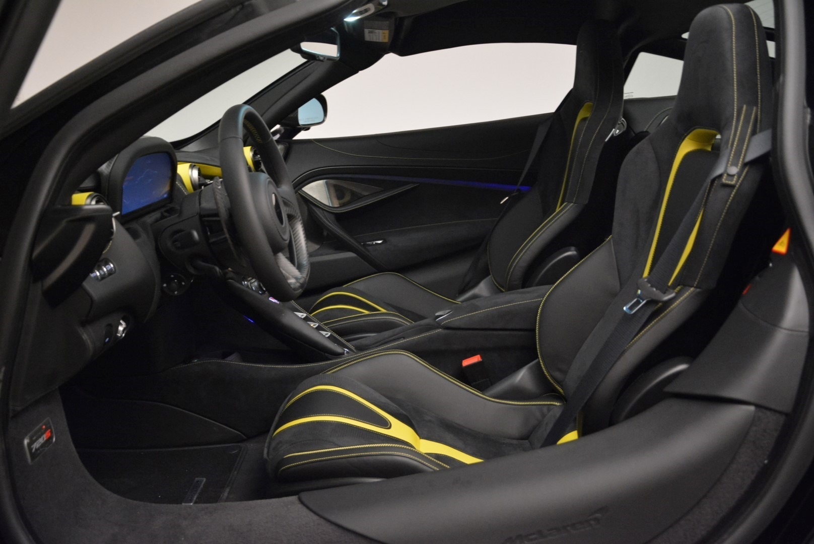 Used 2018 McLaren 720S Coupe For Sale In Greenwich, CT 2474_p16