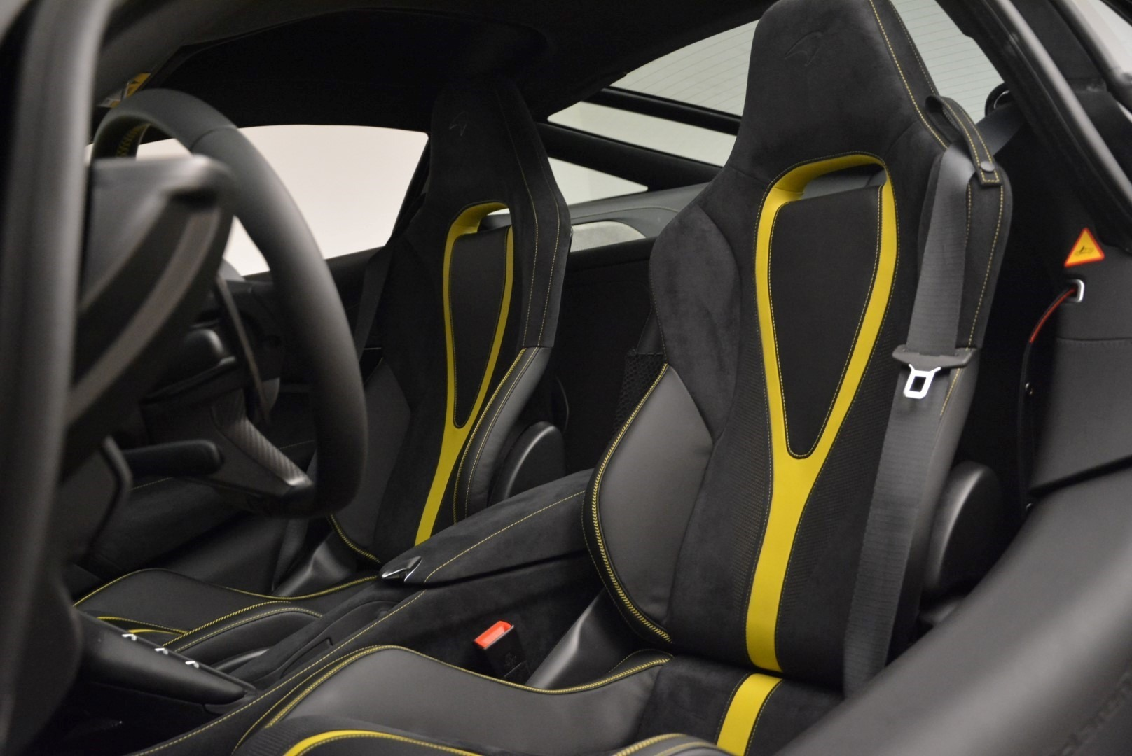 Used 2018 McLaren 720S Coupe For Sale In Greenwich, CT 2474_p17