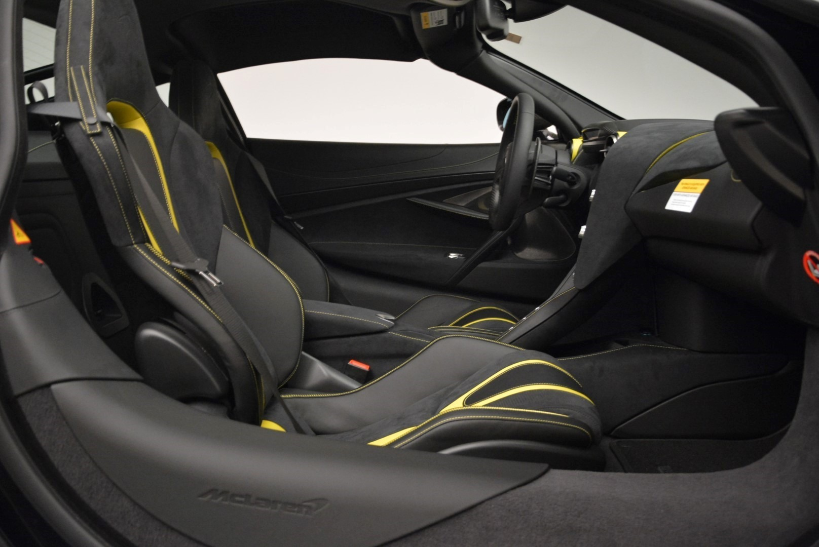 Used 2018 McLaren 720S Coupe For Sale In Greenwich, CT 2474_p19