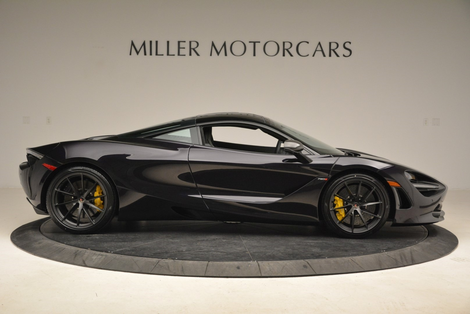 Used 2018 McLaren 720S Coupe For Sale In Greenwich, CT 2474_p9