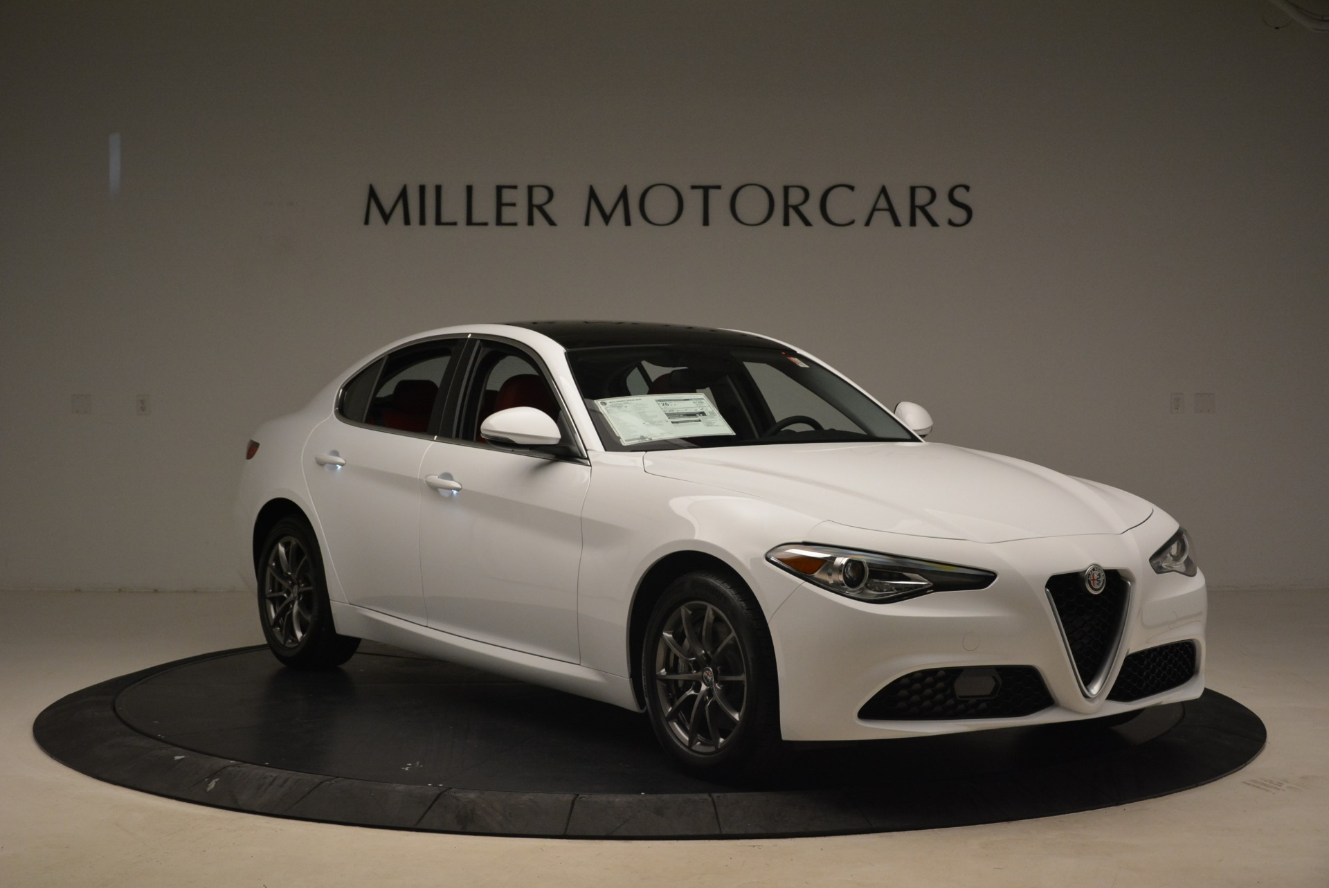 New 2018 Alfa Romeo Giulia Q4 For Sale In Greenwich, CT 2475_p11