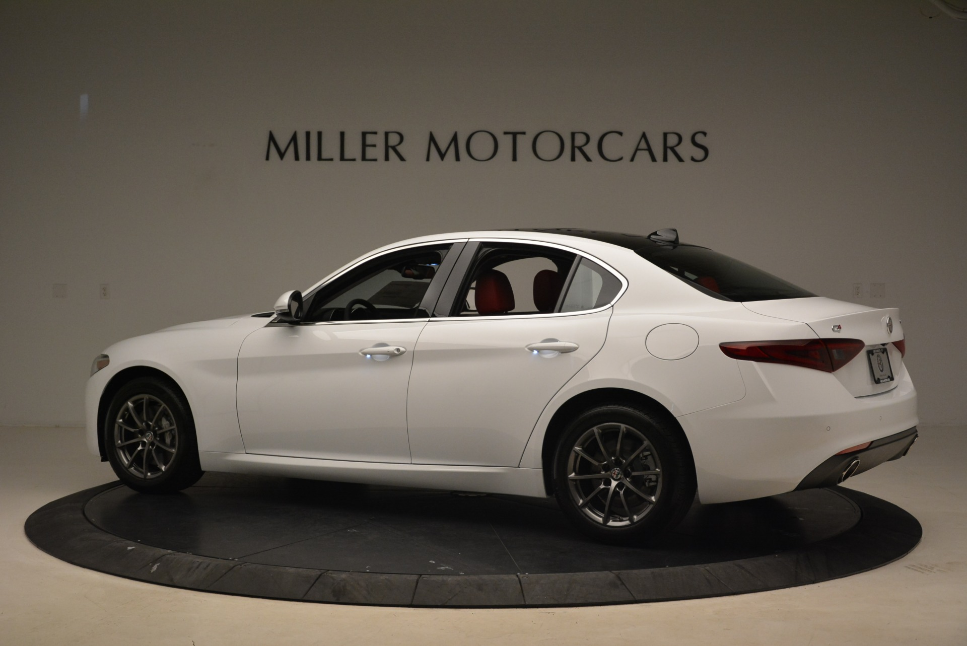 New 2018 Alfa Romeo Giulia Q4 For Sale In Greenwich, CT 2475_p4