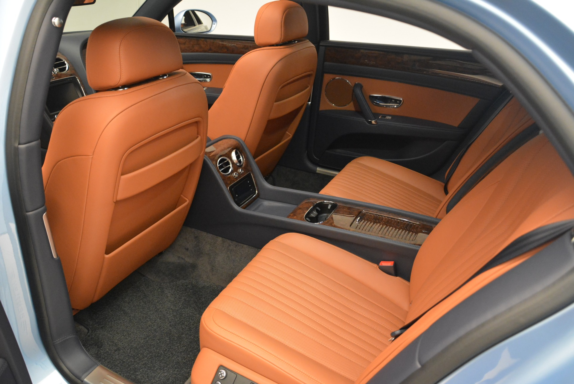 New 2018 Bentley Flying Spur V8 For Sale In Greenwich, CT 2484_p18