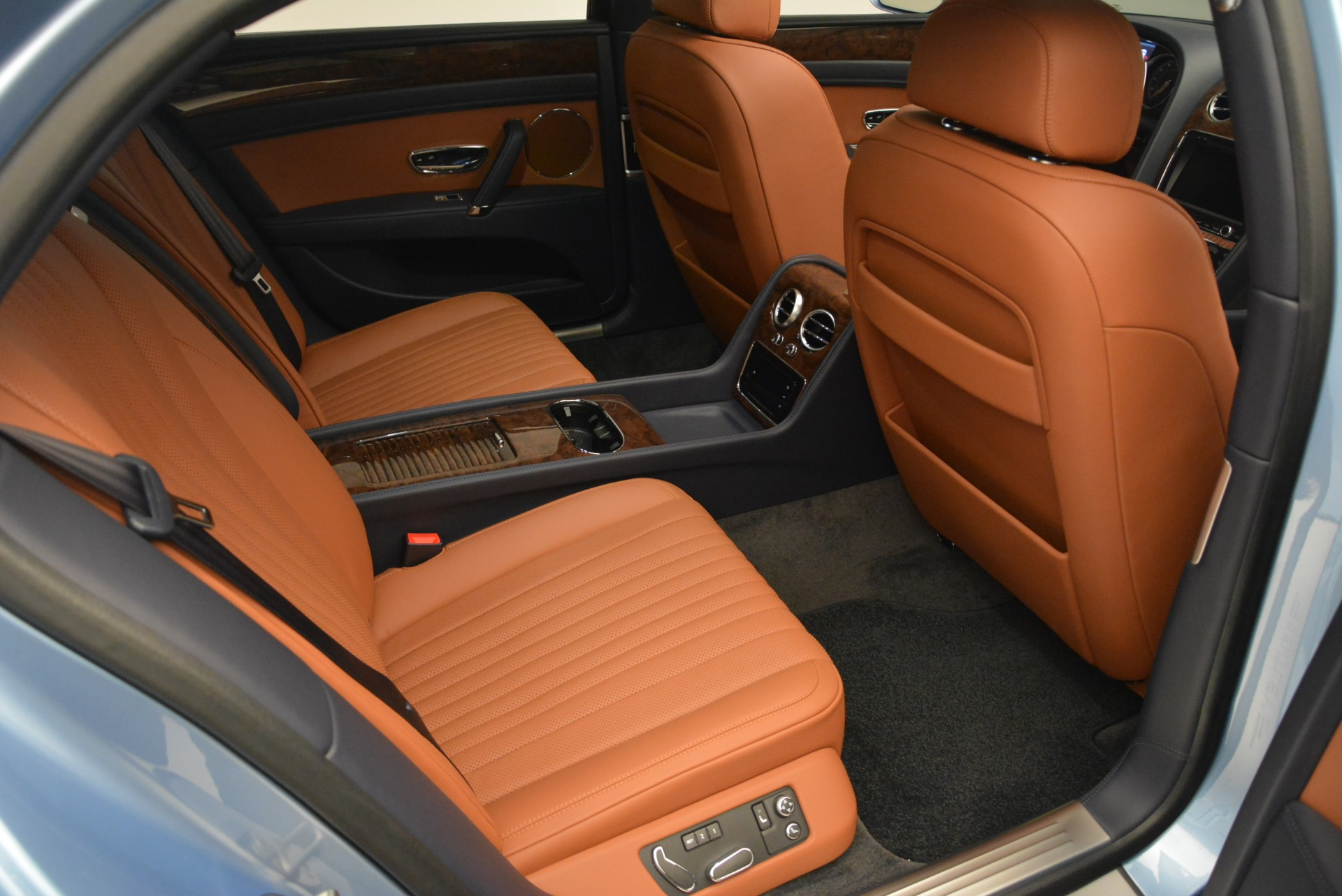 New 2018 Bentley Flying Spur V8 For Sale In Greenwich, CT 2484_p20