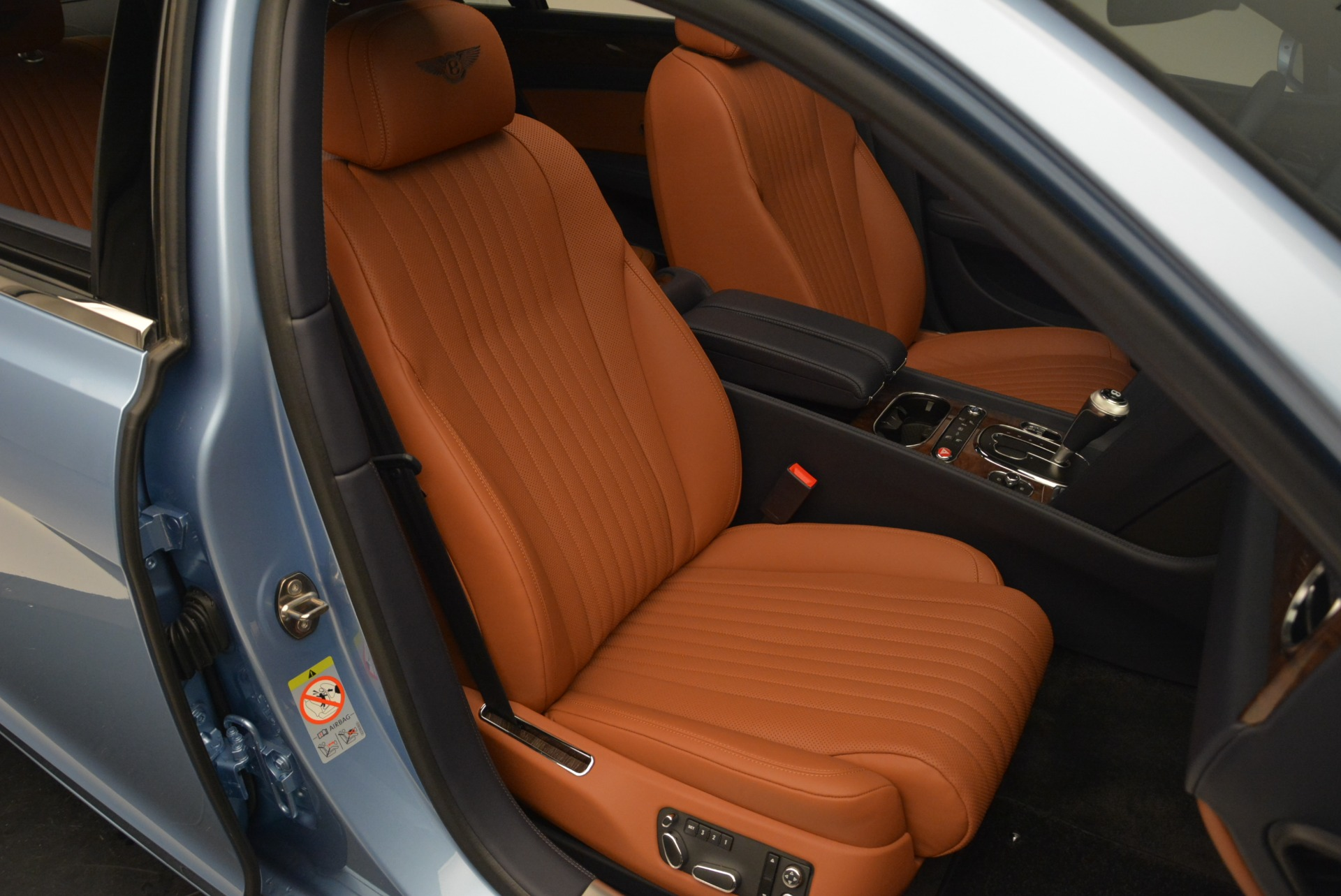 New 2018 Bentley Flying Spur V8 For Sale In Greenwich, CT 2484_p23