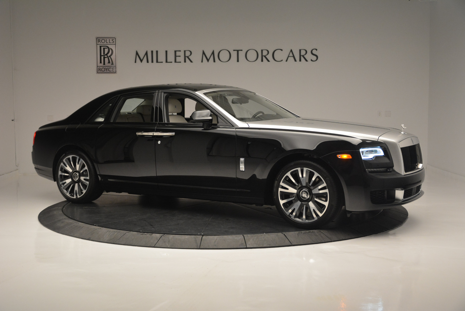 Used 2019 Rolls-Royce Ghost  For Sale In Greenwich, CT 2485_p8