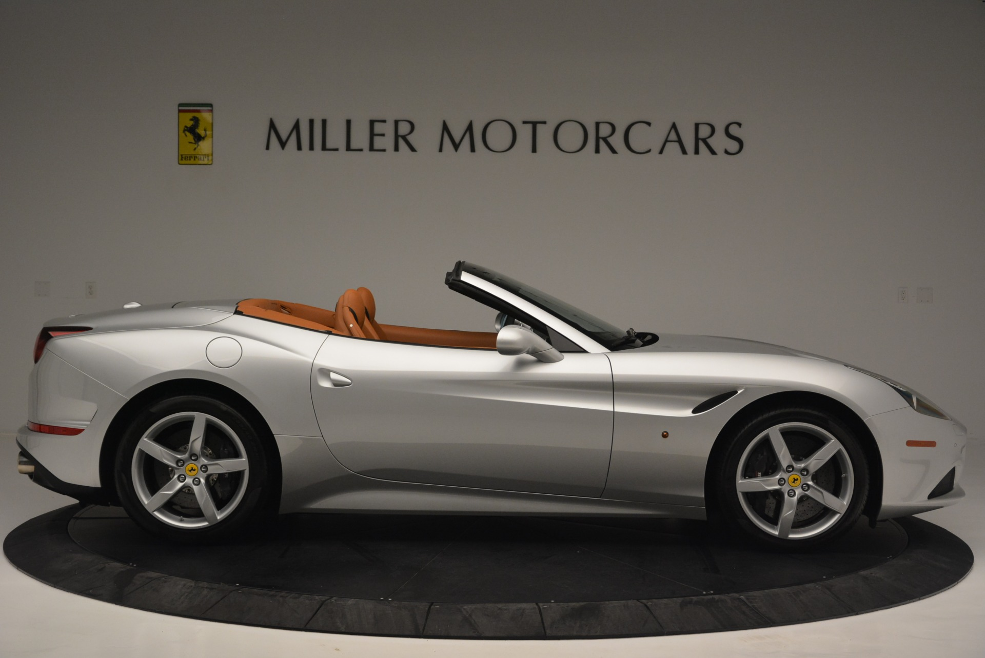 Used 2015 Ferrari California T  For Sale In Greenwich, CT 2514_p9