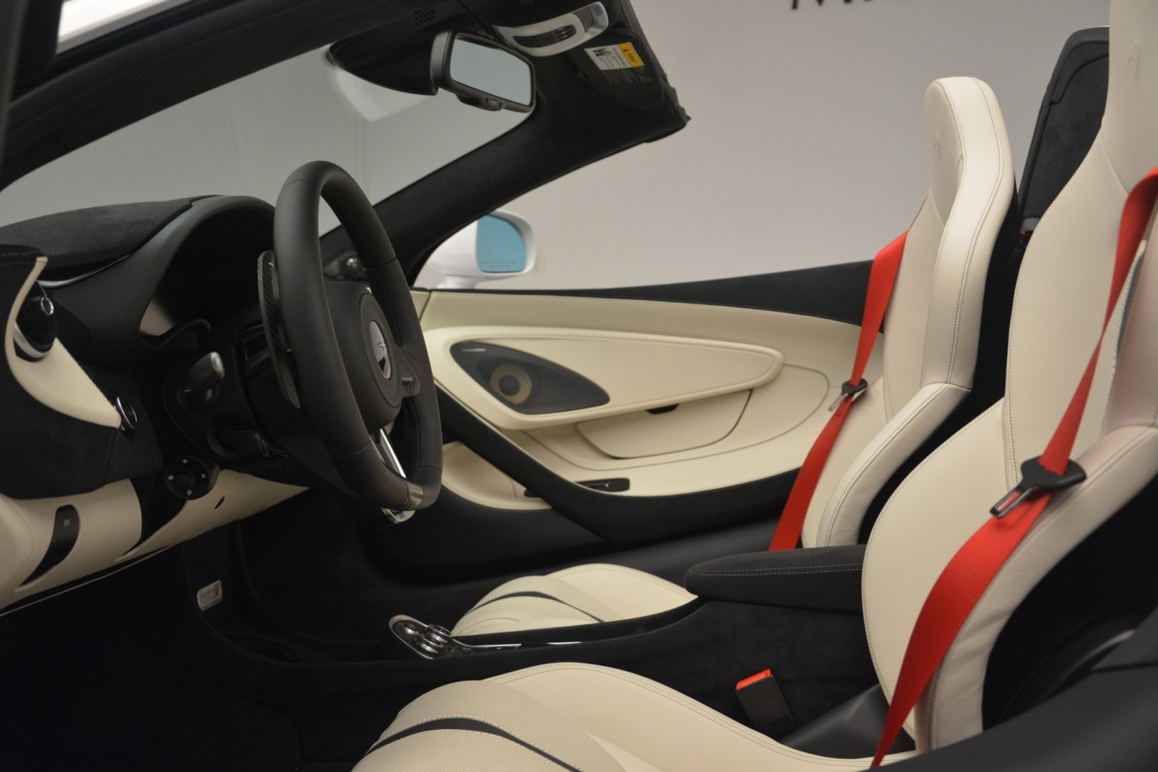 New 2019 McLaren 570S Spider Convertible For Sale In Greenwich, CT 2523_p24