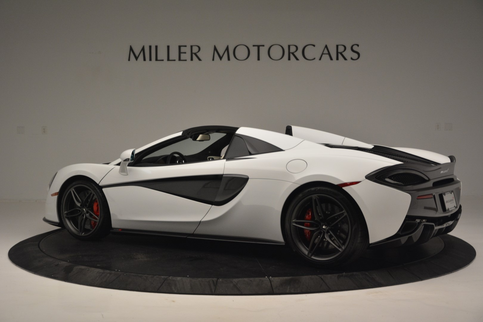 New 2019 McLaren 570S Spider Convertible For Sale In Greenwich, CT 2523_p4