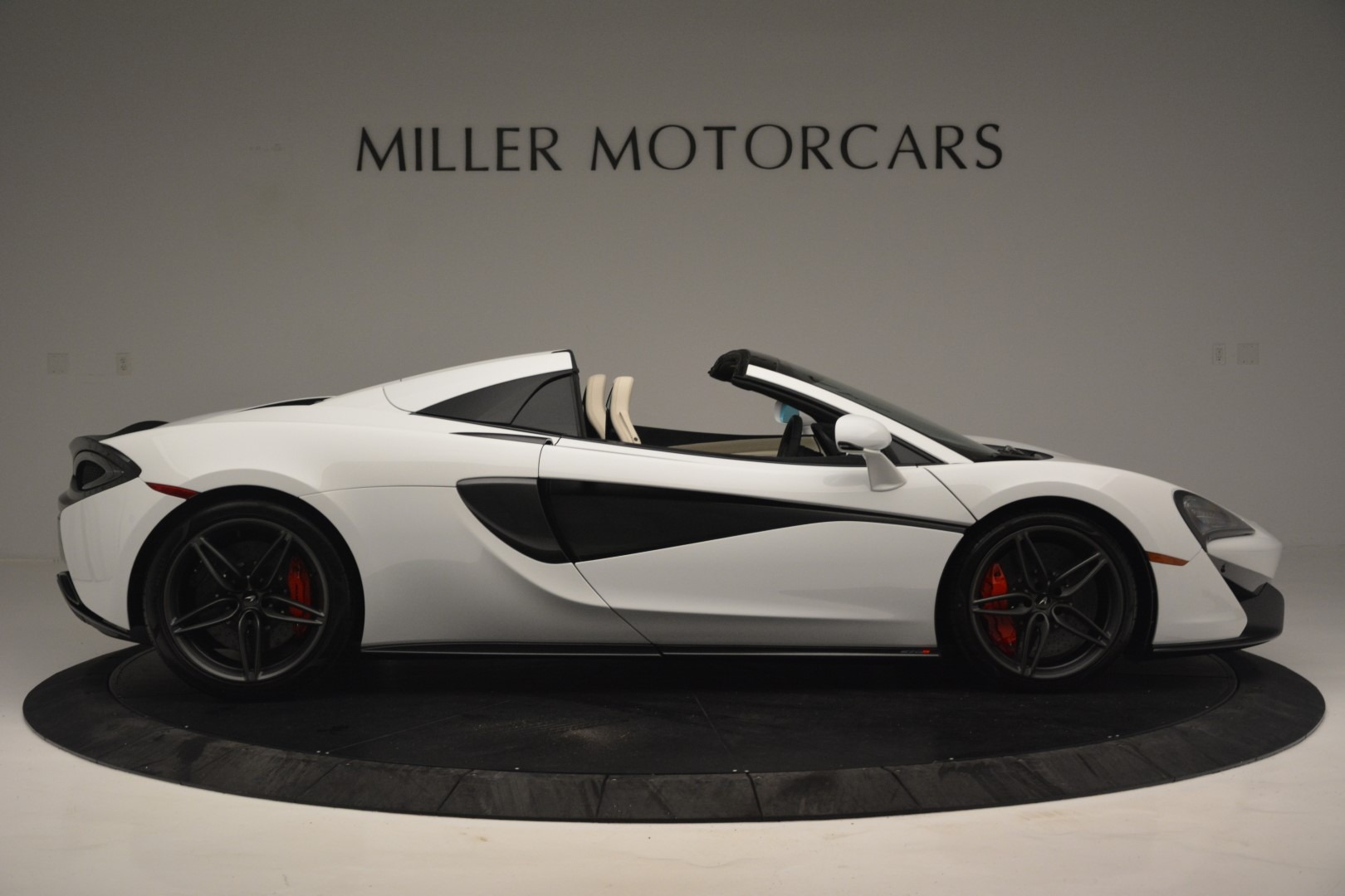New 2019 McLaren 570S Spider Convertible For Sale In Greenwich, CT 2523_p9